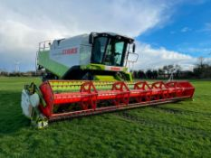 2007 Claas Lexion 570+TT Terra Trac combine harvester with straw chopper and Claas V900 header with