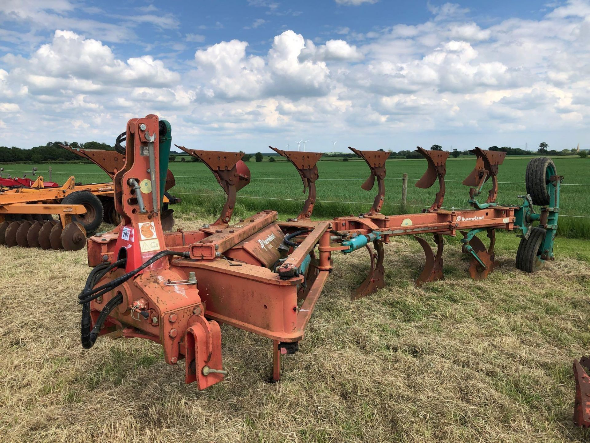 Kverneland 6+1f LO85 reversible plough, hydraulic vari-width. Model No: 85-300-28. Serial No: 240. N