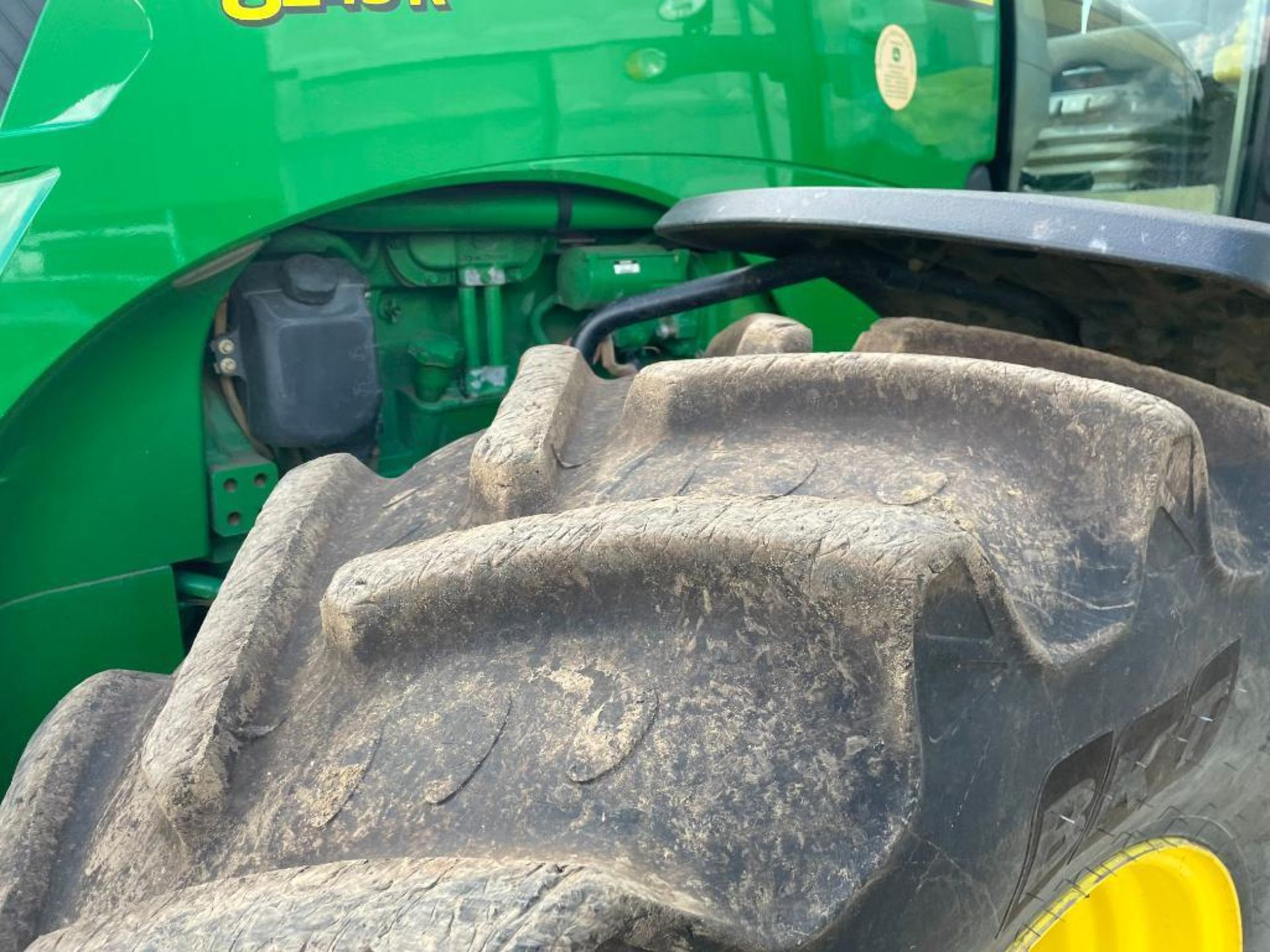 2011 John Deere 8245R 40kph Powershift with 4 electric spools, TLS front suspension and 900kg front - Image 10 of 18