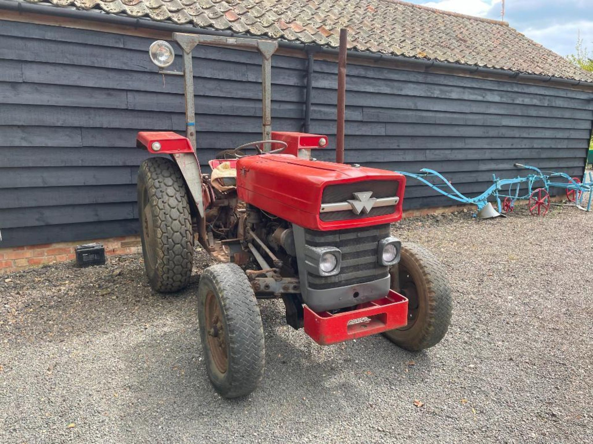 Massey Ferguson 135 2wd tractor with roll bar on 205R16 front and 12.4-28 rear wheels and tyres, die - Image 7 of 9