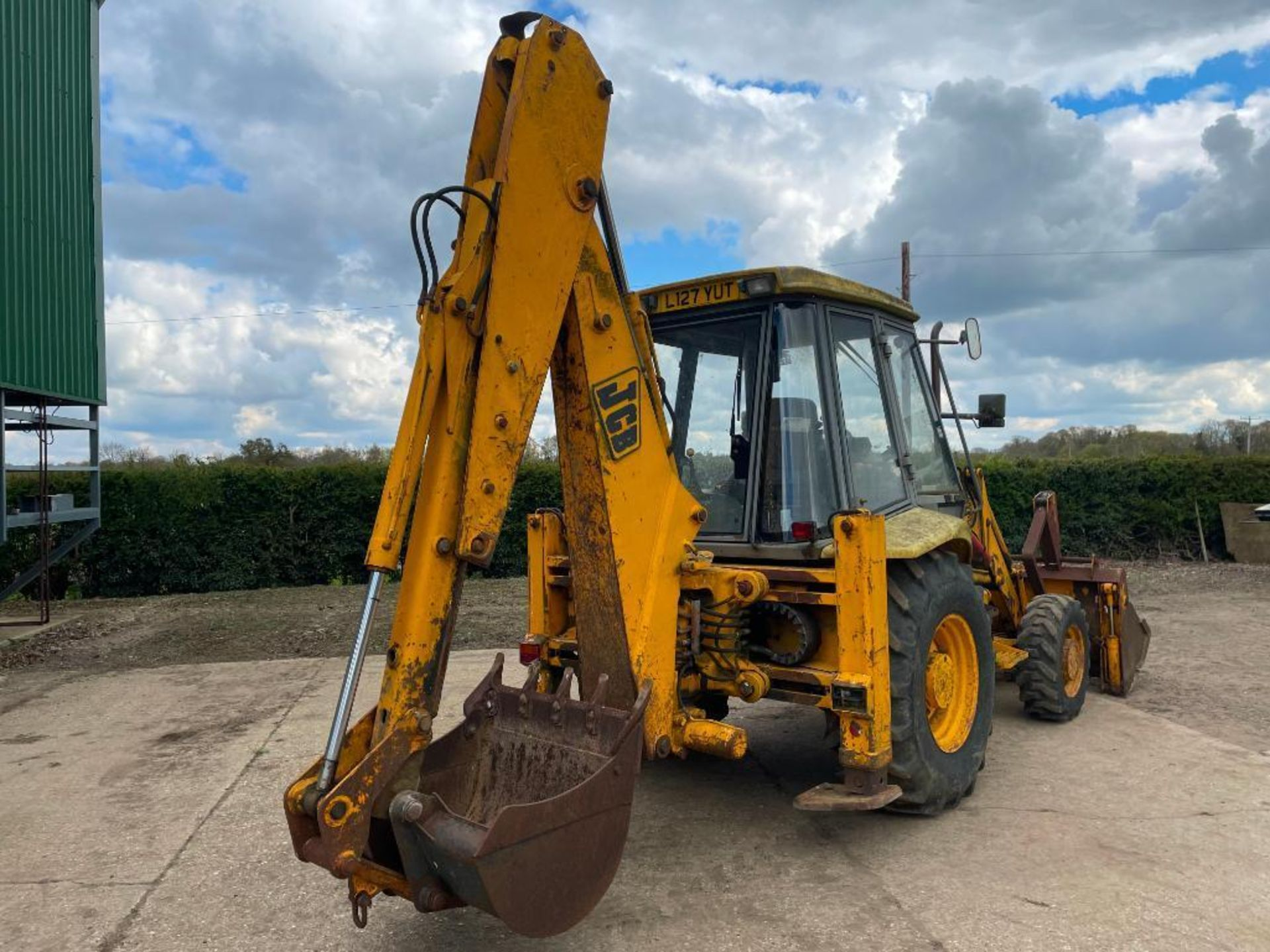 1993 JCB 3CX Sitemaster 4wd back hoe loader with 3 in 1 bucket on 10.5/80-18 front and 18.4-26 rear - Image 7 of 14