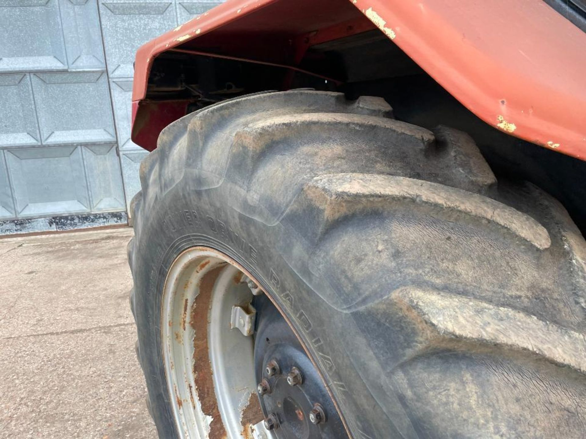 1997 Case IH 5150 Maxxum Plus Powershift 4wd tractor with 2 spools, PUH and front wafer weights on 1 - Image 4 of 13