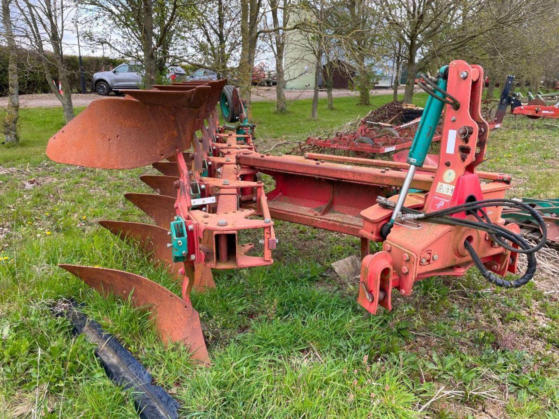 Kverneland 6+1f LO85 reversible plough, hydraulic vari-width. Model No: 85-300-28. Serial No: 240. N - Image 8 of 11