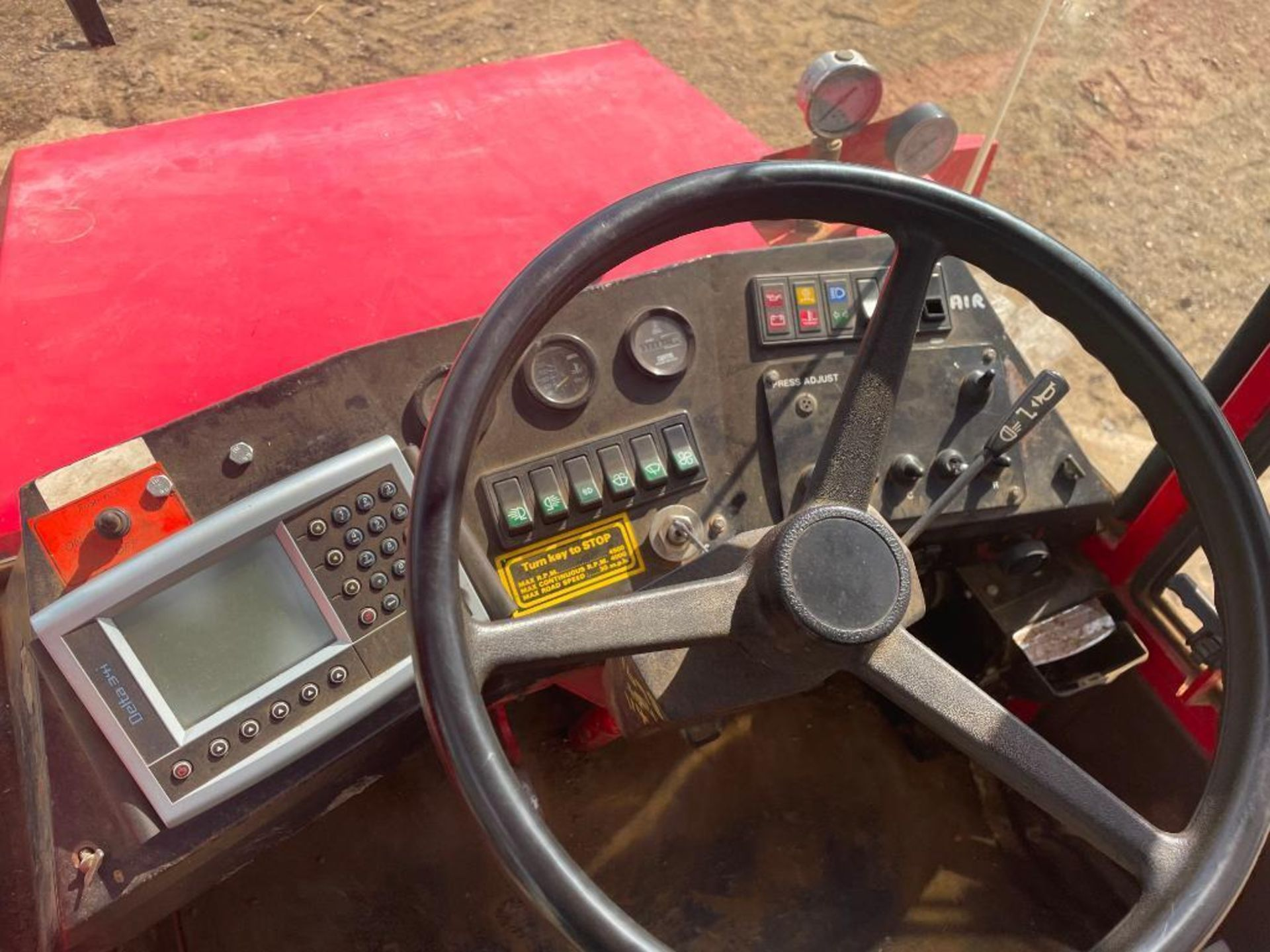 1995 Frazier Agri-Buggy SD with GEM 24m self propelled sprayer, 1500l tank on 38x20.00-16 wheels and - Image 19 of 27