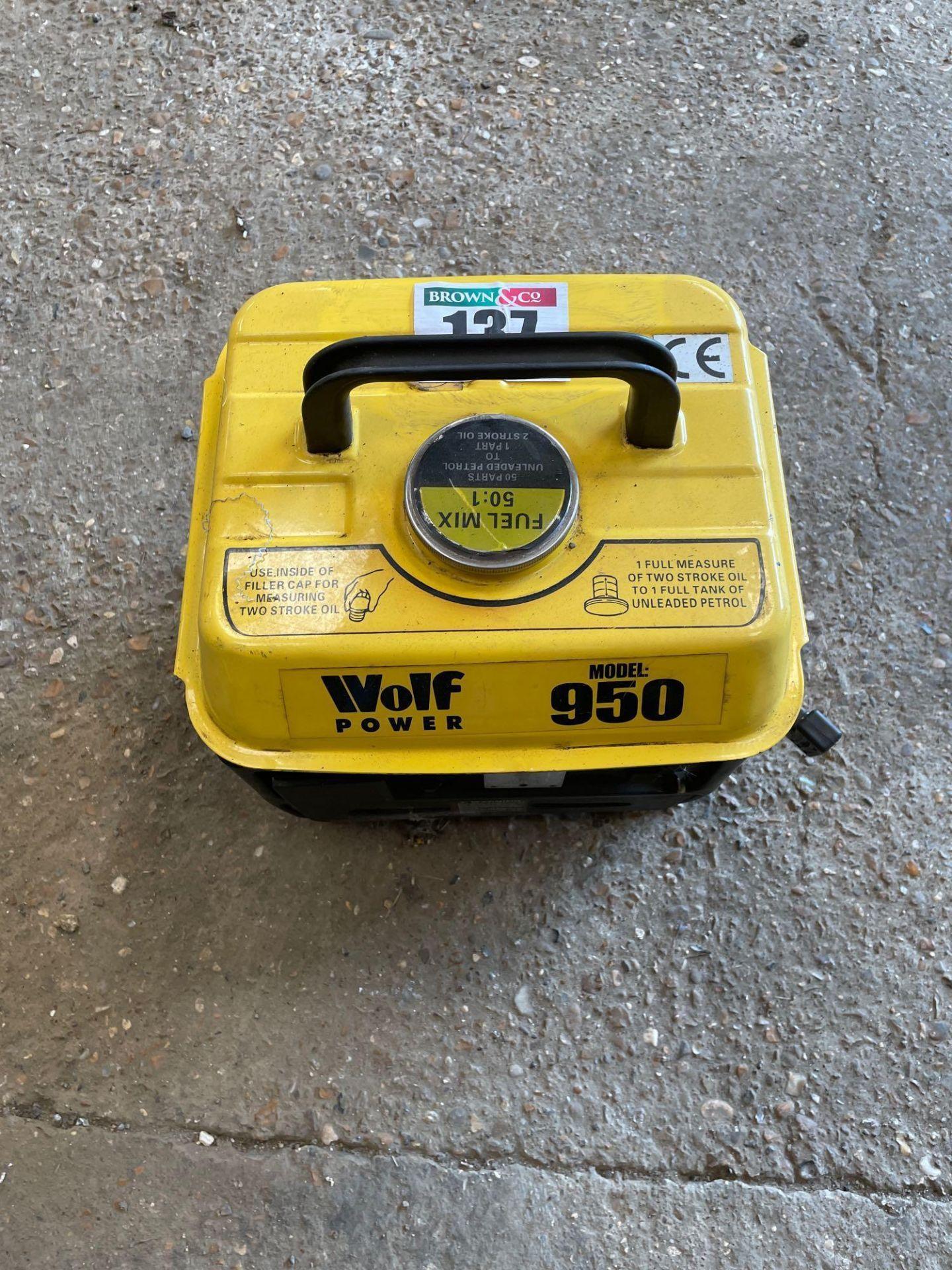 Wolf Power 950 2-stroke generator, 650wt