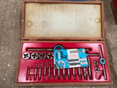 Dormer Whitworth tap and die set