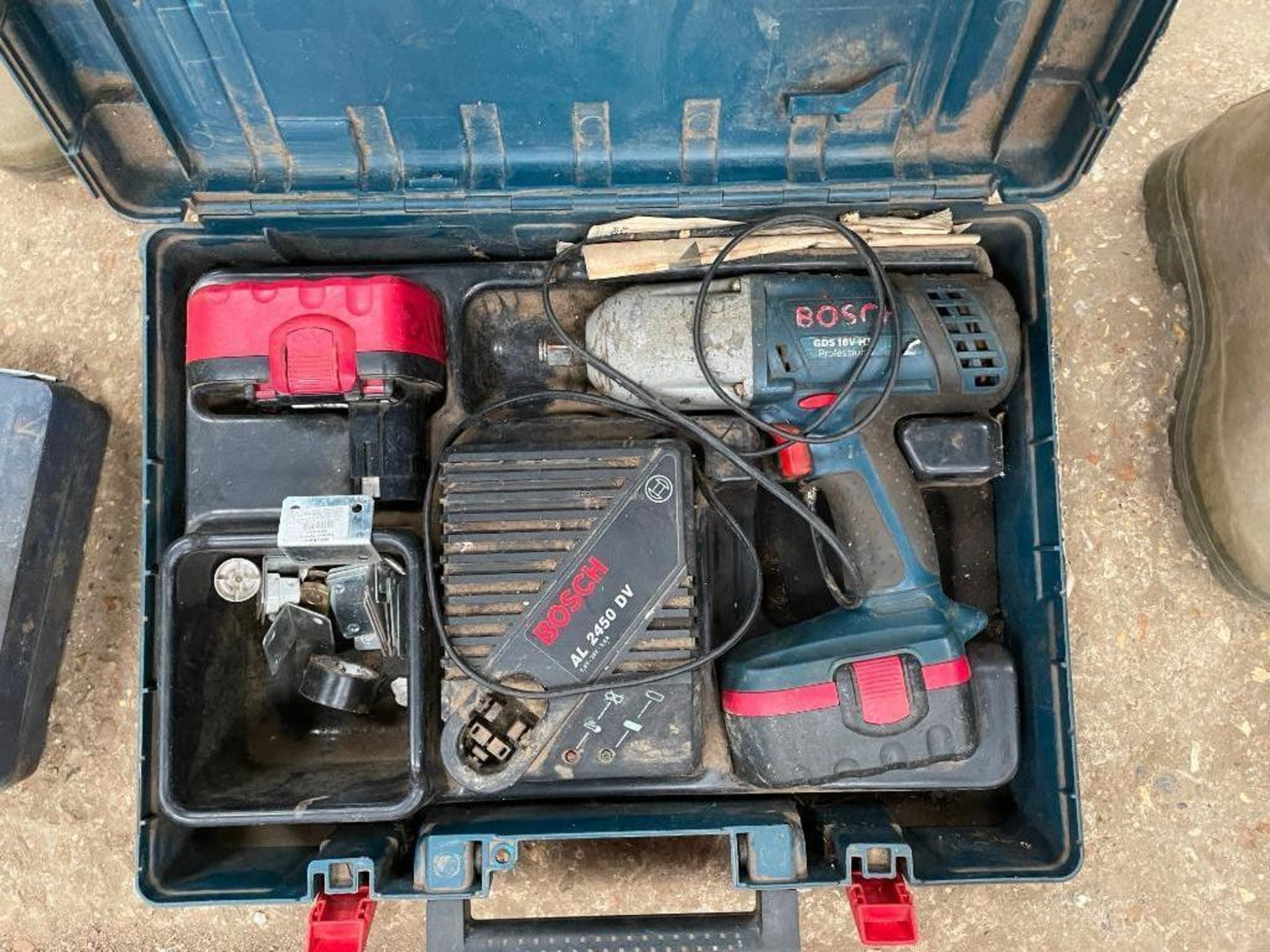 Bosch GDS 18V - HT impact wrench gun 3 batteries and charger. NB: Manual in Office - Image 2 of 2