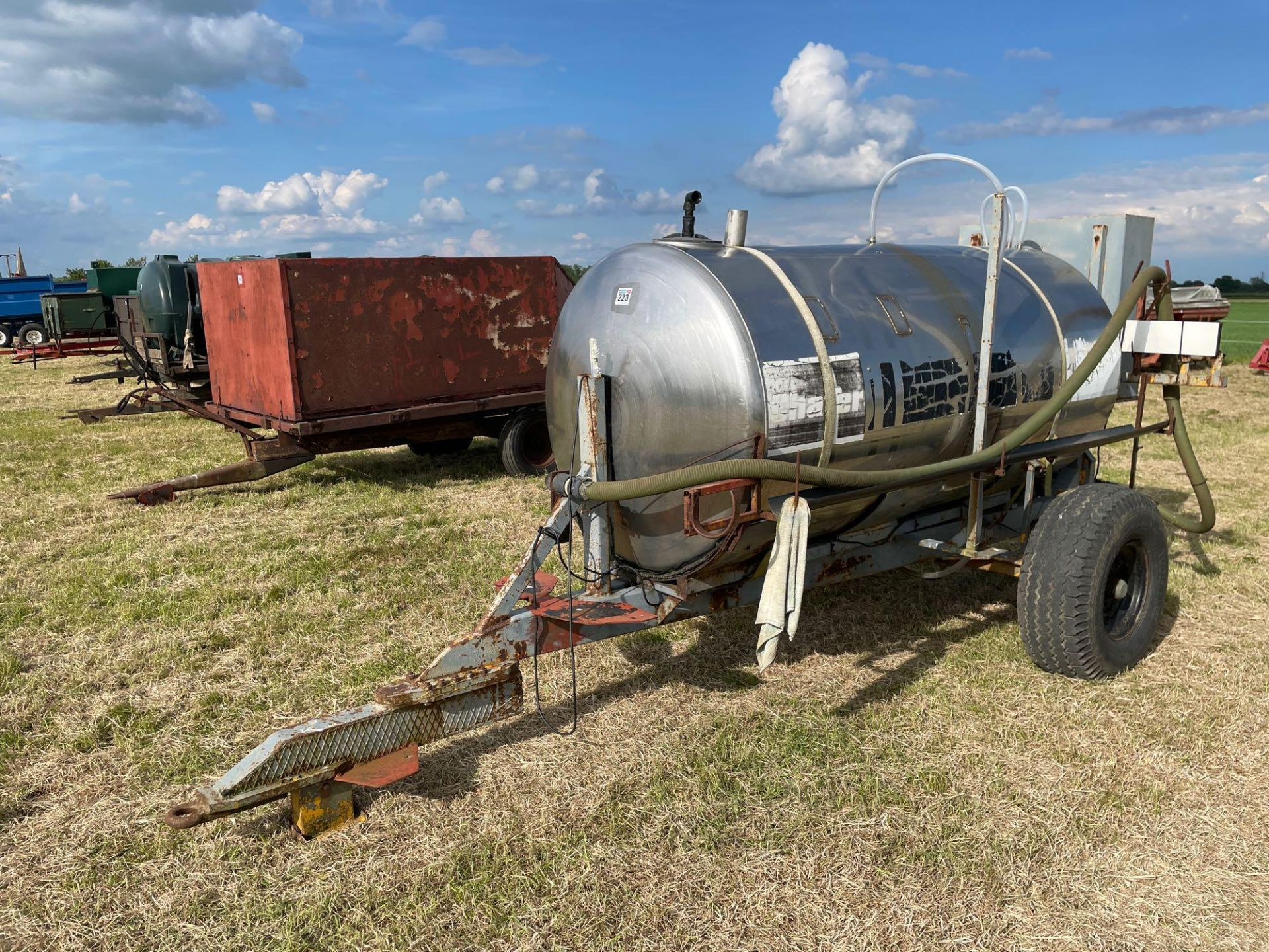 Chafer stainless steel tank, trailed single axle on 11.5/80-15.3 wheels and tyres with Honda pump - Image 2 of 4