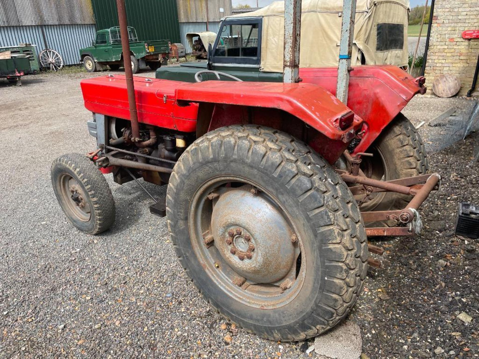 Massey Ferguson 135 2wd tractor with roll bar on 205R16 front and 12.4-28 rear wheels and tyres, die - Image 9 of 9