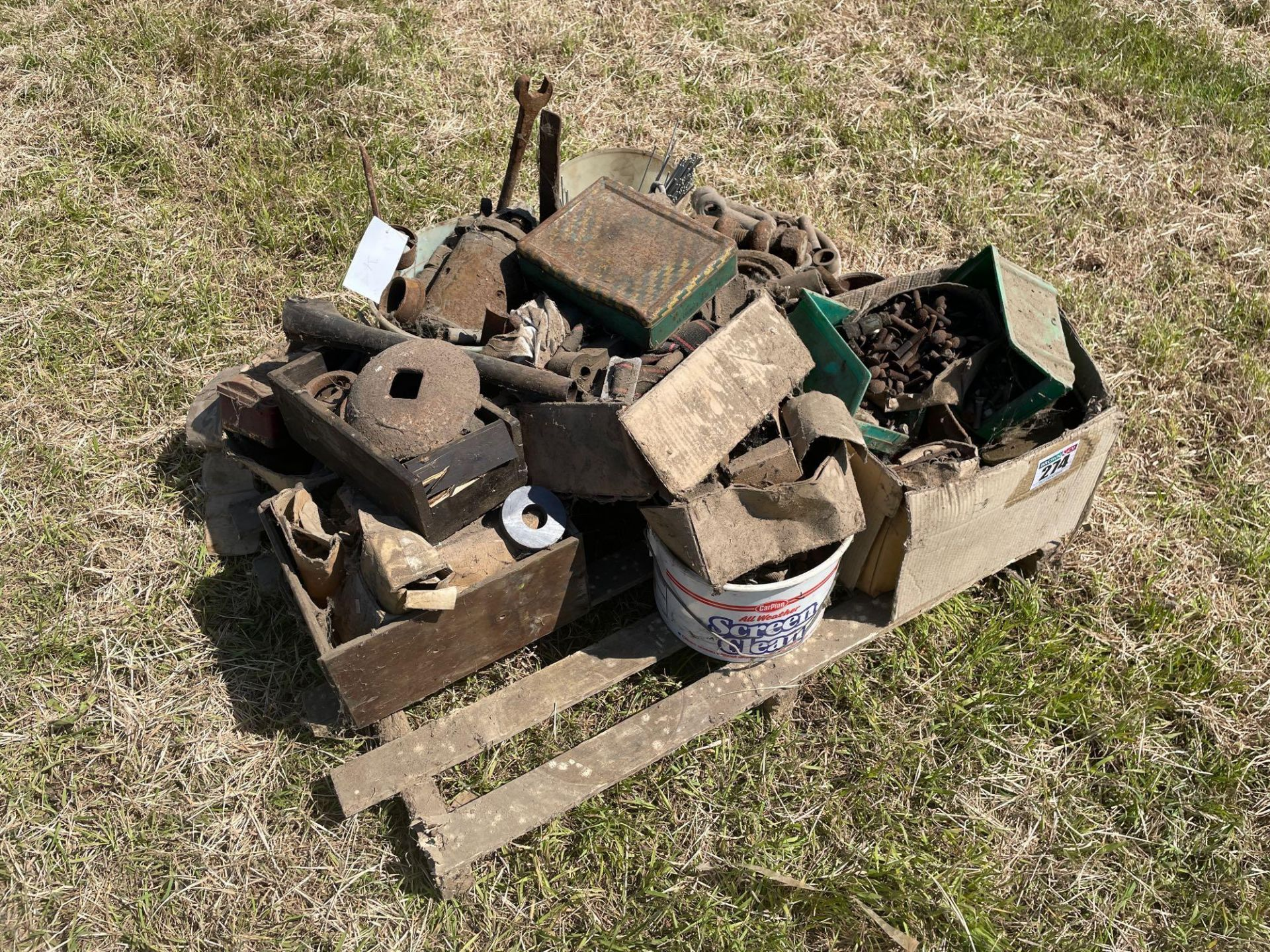 Various spares including bolts