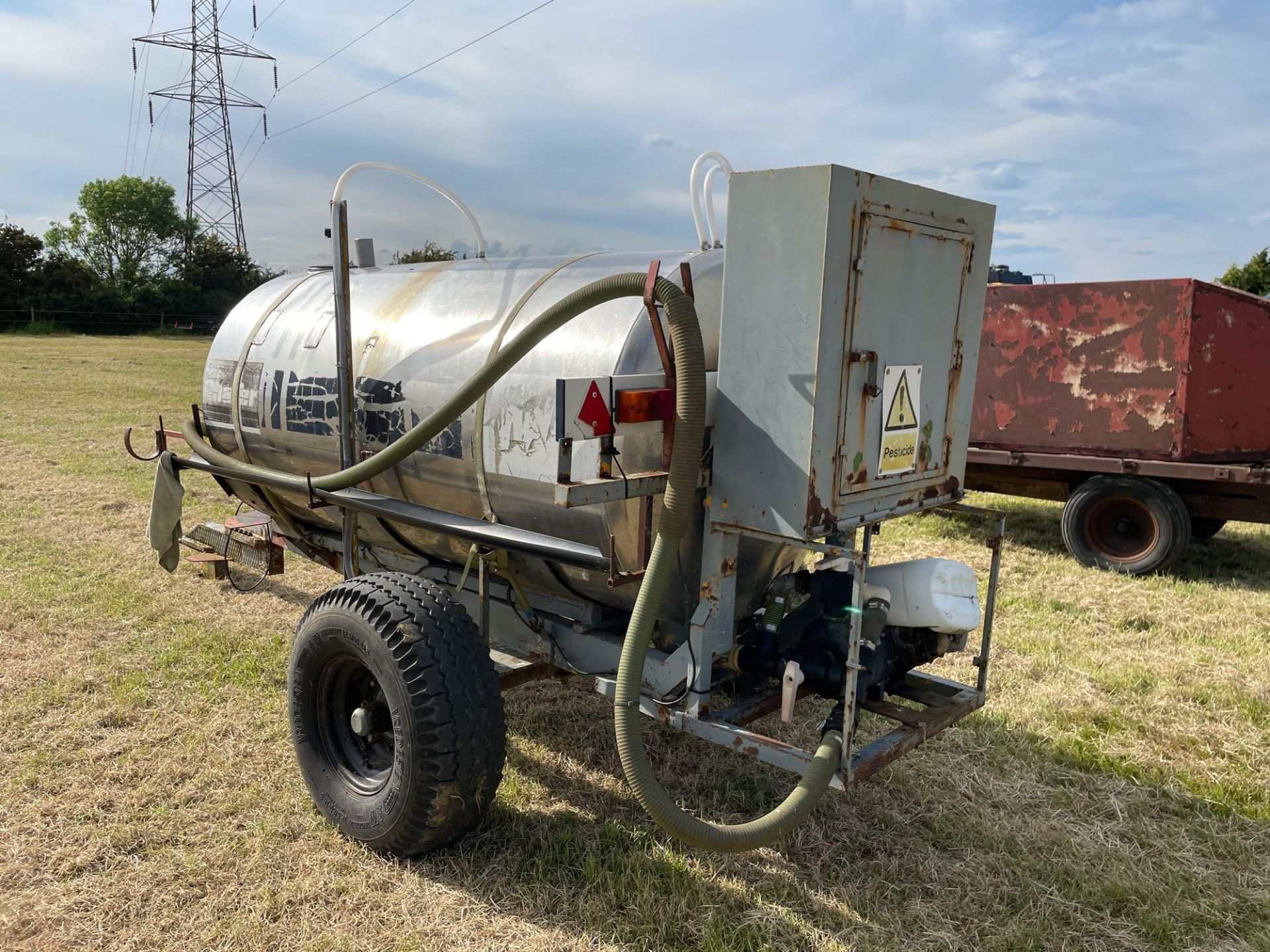 Chafer stainless steel tank, trailed single axle on 11.5/80-15.3 wheels and tyres with Honda pump - Image 3 of 4