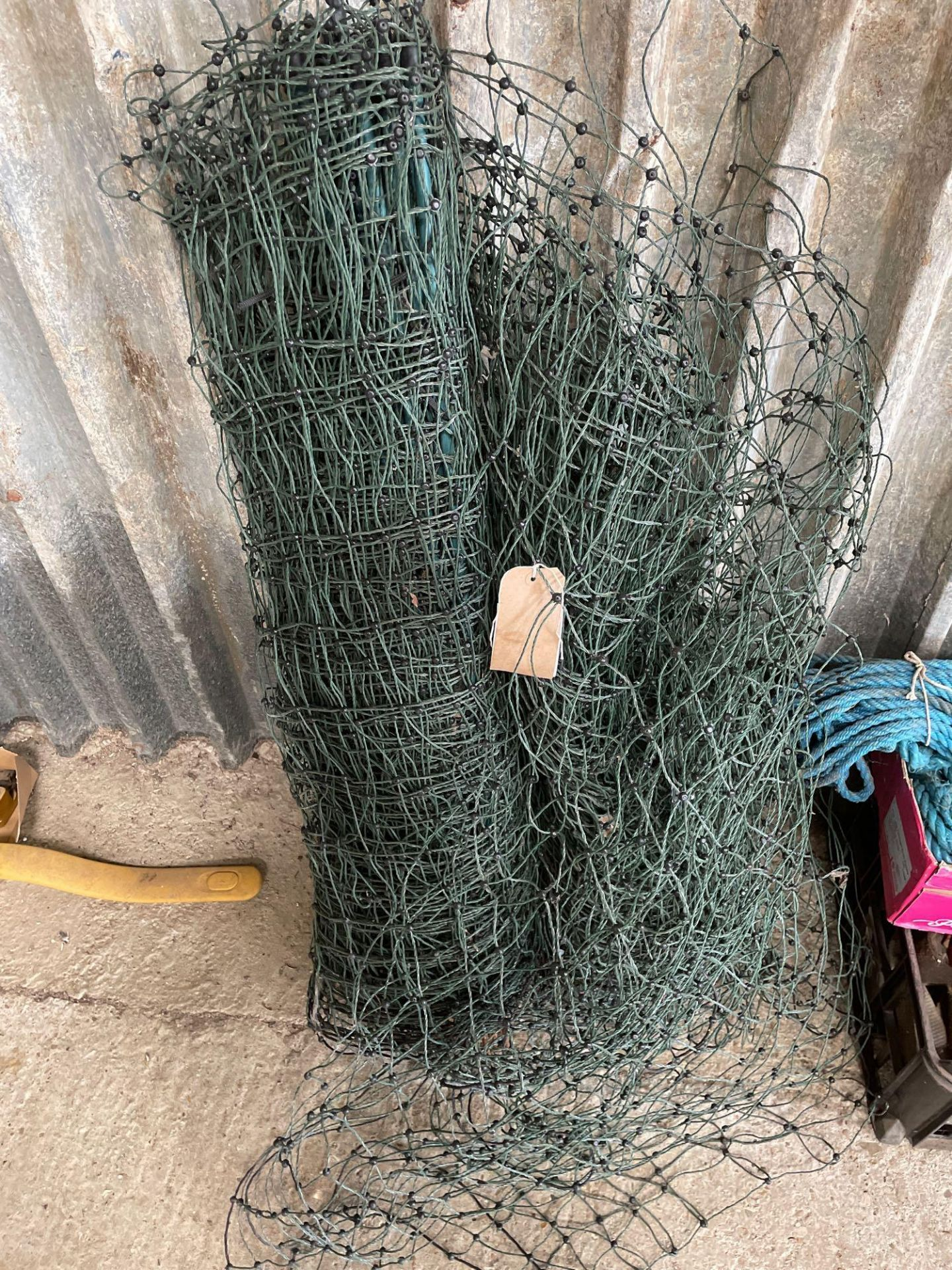 Quantity netting and poles