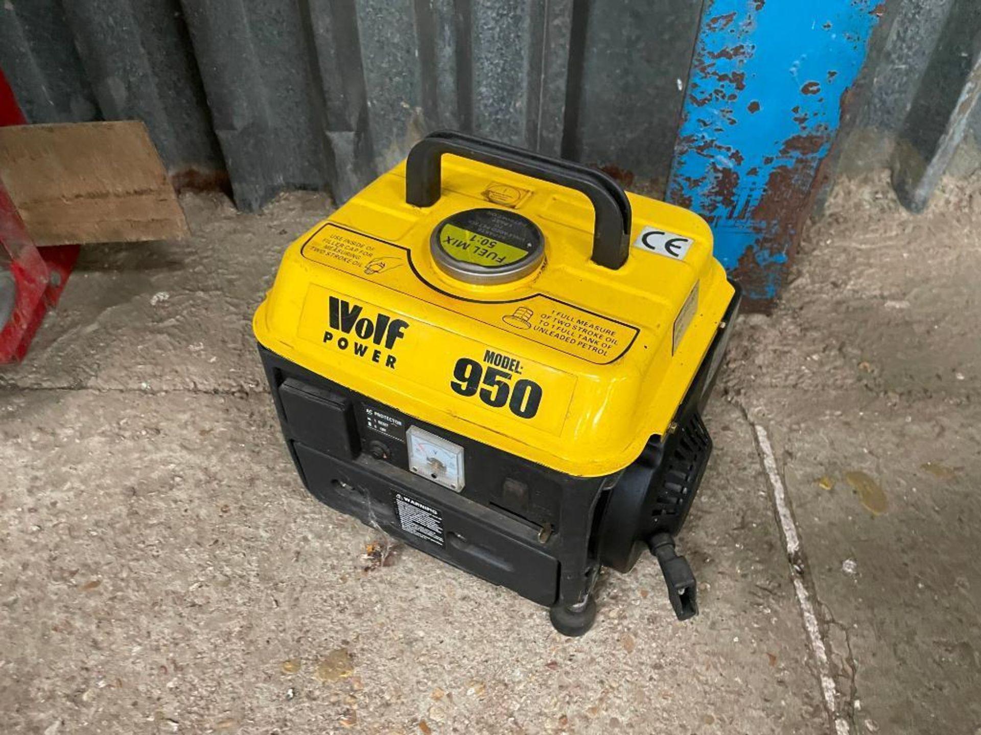 Wolf Power 950 2-stroke generator, 650wt - Image 2 of 2