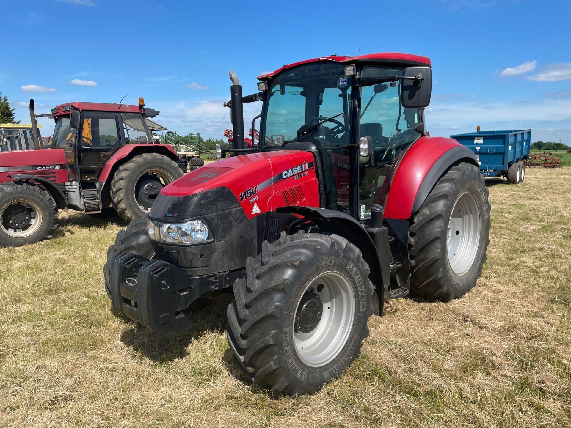 2014 Case IH Farmall 115U PRO 40Kph 4wd tractor with 2 spools, PUH on 440/65R24 front and 540/65R34