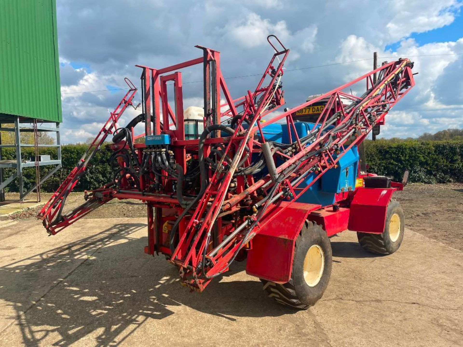 1995 Frazier Agri-Buggy SD with GEM 24m self propelled sprayer, 1500l tank on 38x20.00-16 wheels and - Image 22 of 27