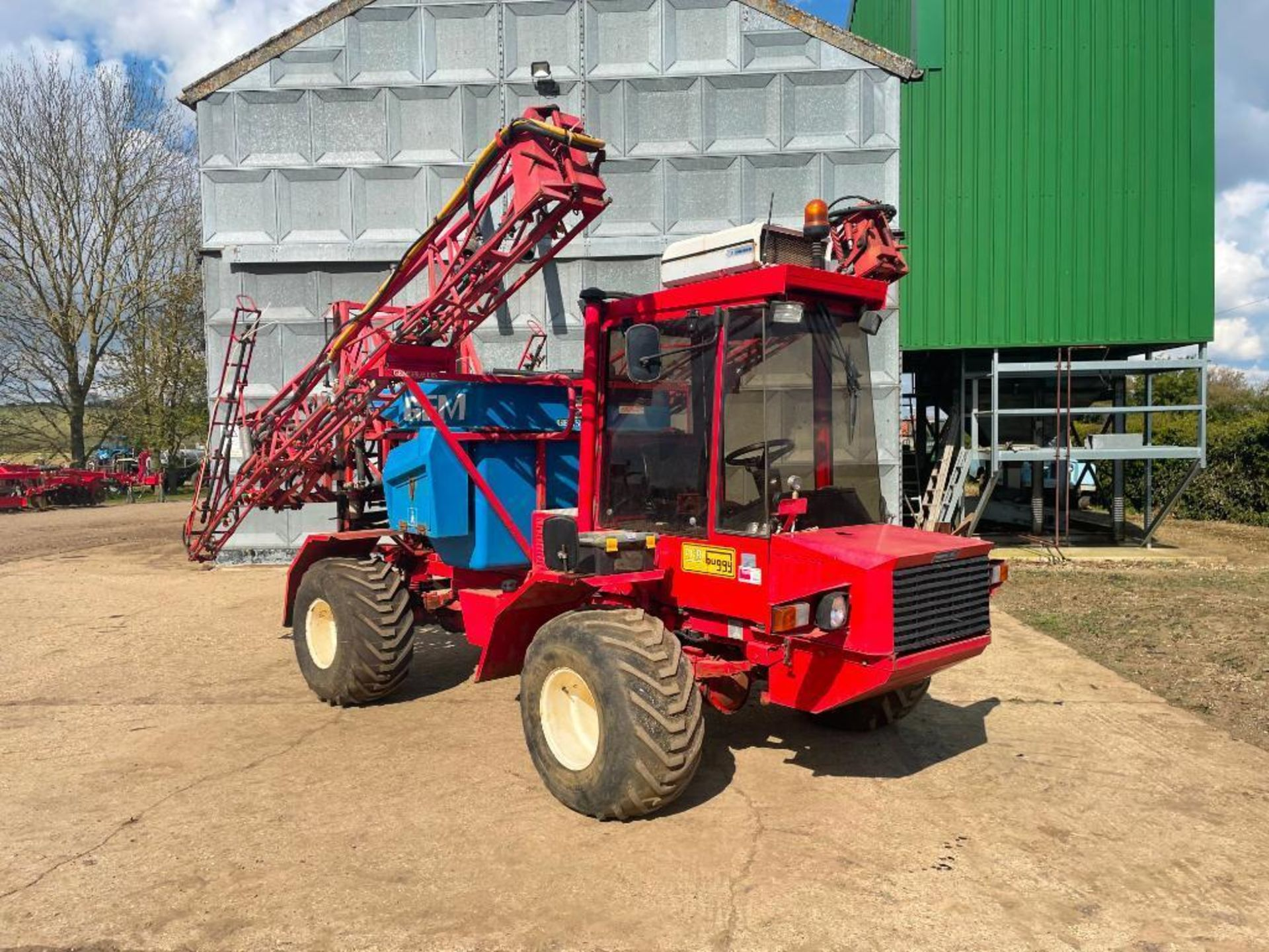 1995 Frazier Agri-Buggy SD with GEM 24m self propelled sprayer, 1500l tank on 38x20.00-16 wheels and - Image 3 of 27