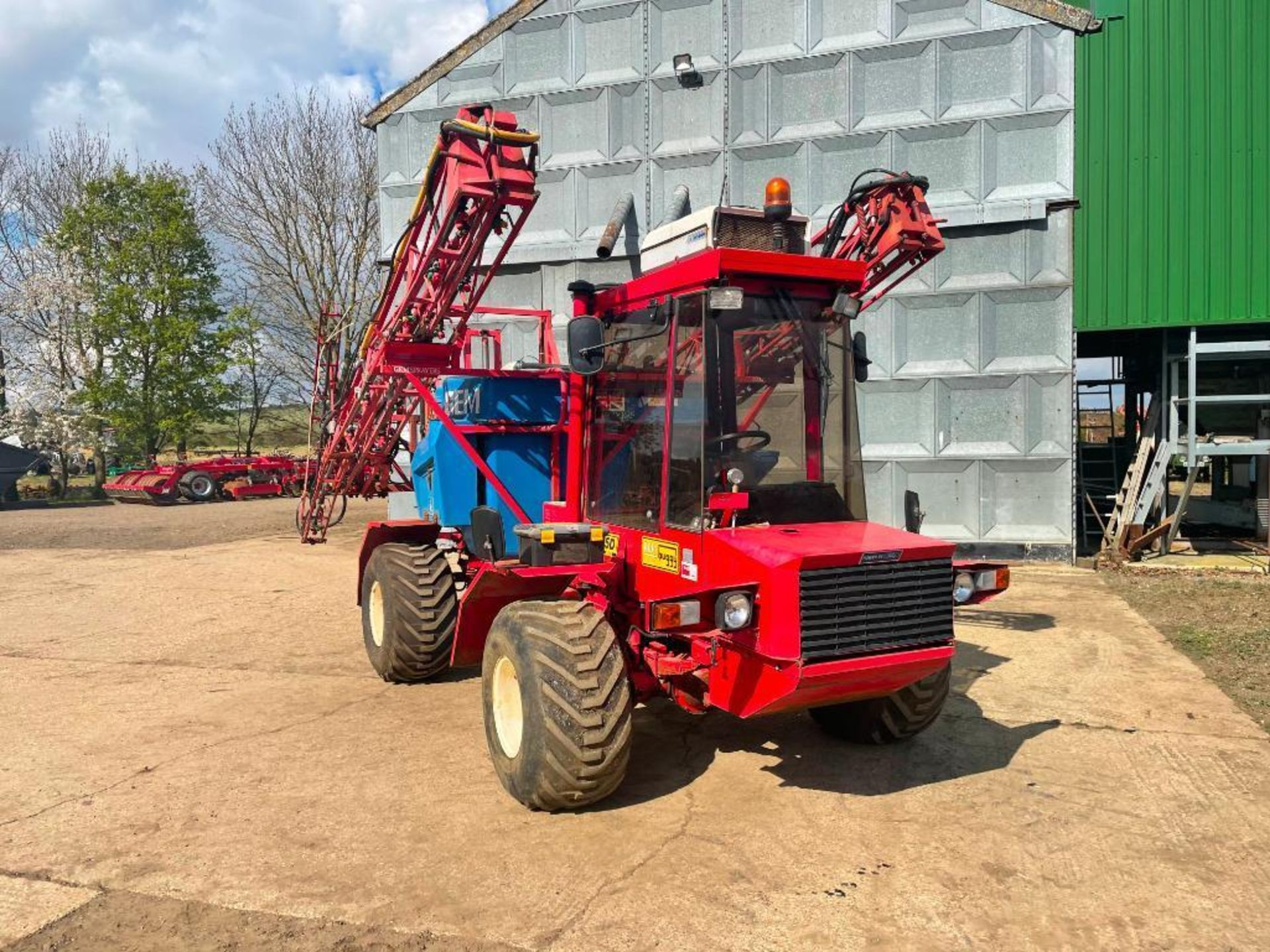 1995 Frazier Agri-Buggy SD with GEM 24m self propelled sprayer, 1500l tank on 38x20.00-16 wheels and - Image 10 of 27