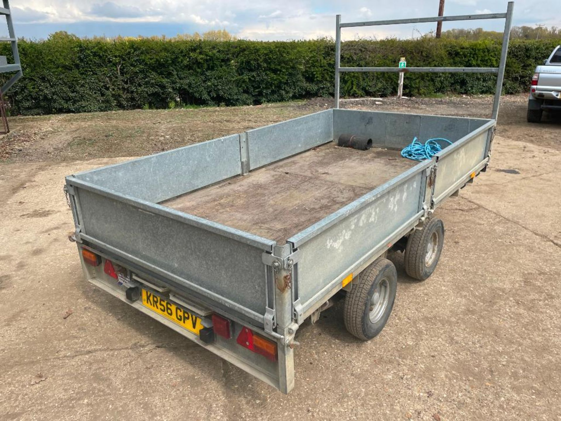 Ifor Williams LT105G 10ft twin axle flat bed trailer with front ladder and aluminium ramps on 145R10 - Image 8 of 12