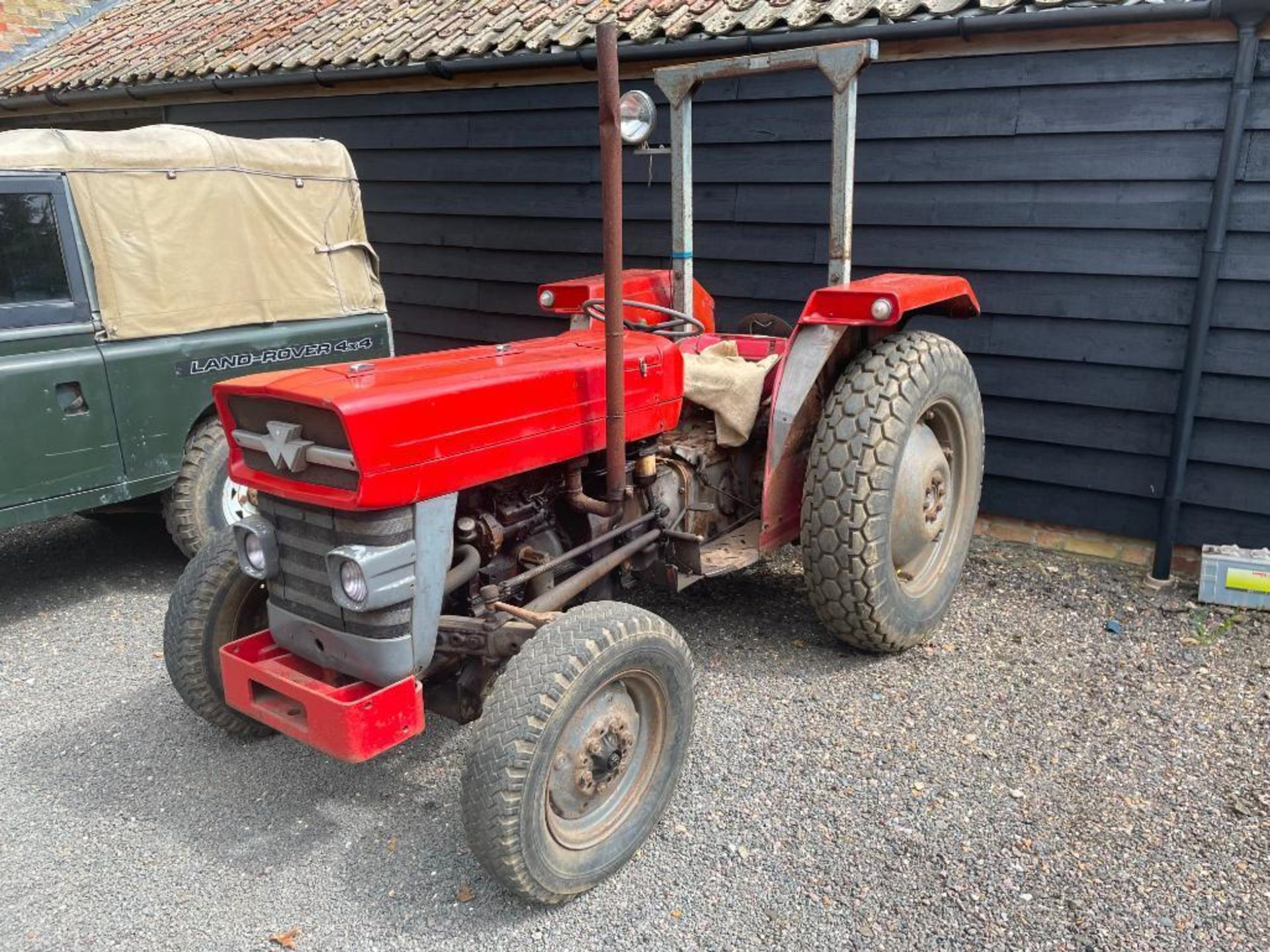 Massey Ferguson 135 2wd tractor with roll bar on 205R16 front and 12.4-28 rear wheels and tyres, die - Image 8 of 9