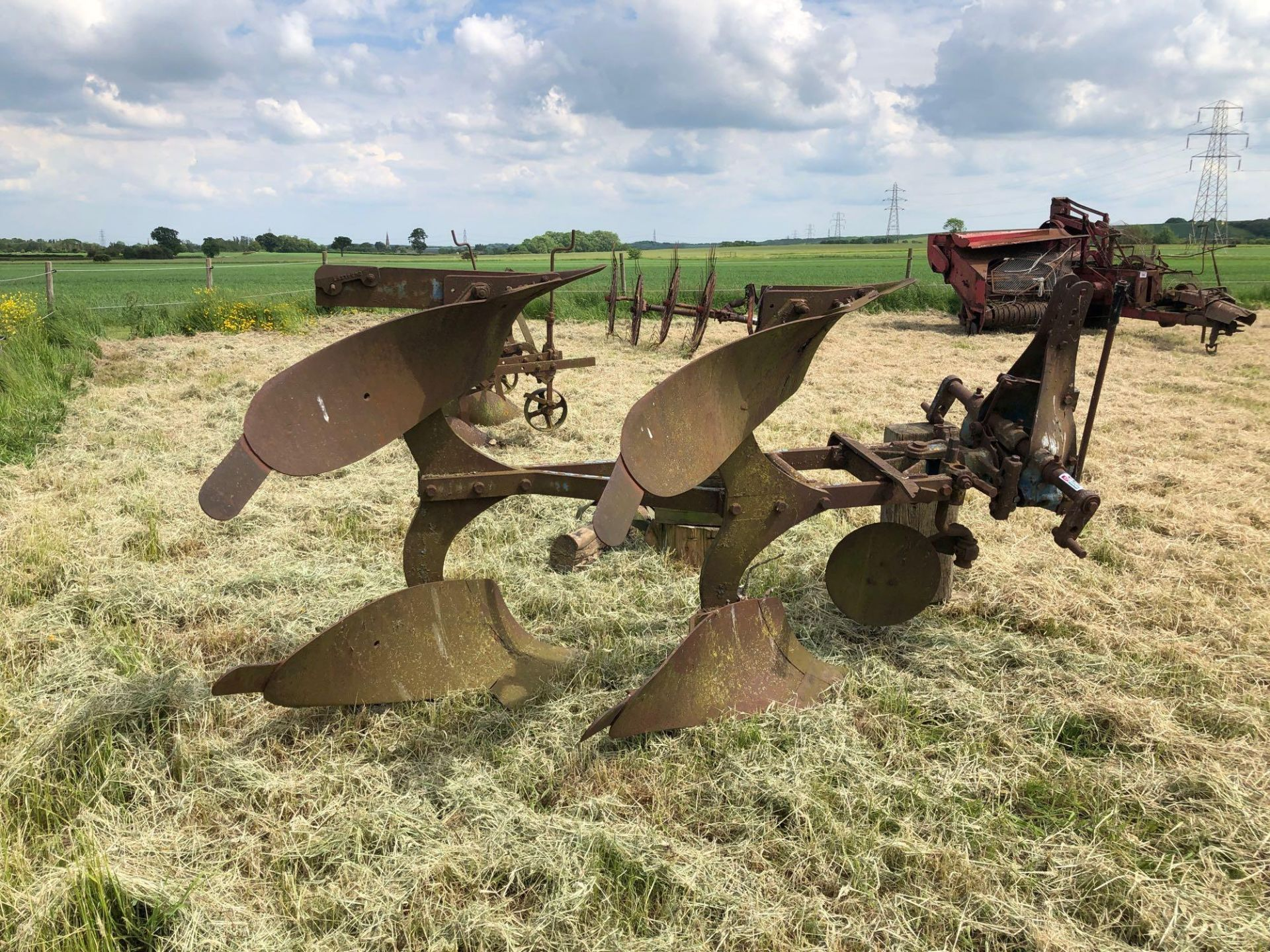 Ransomes 2f reversible plough - Image 2 of 4
