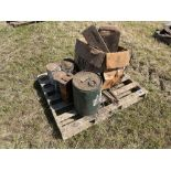 Various oil cans, Jerry can and other cans