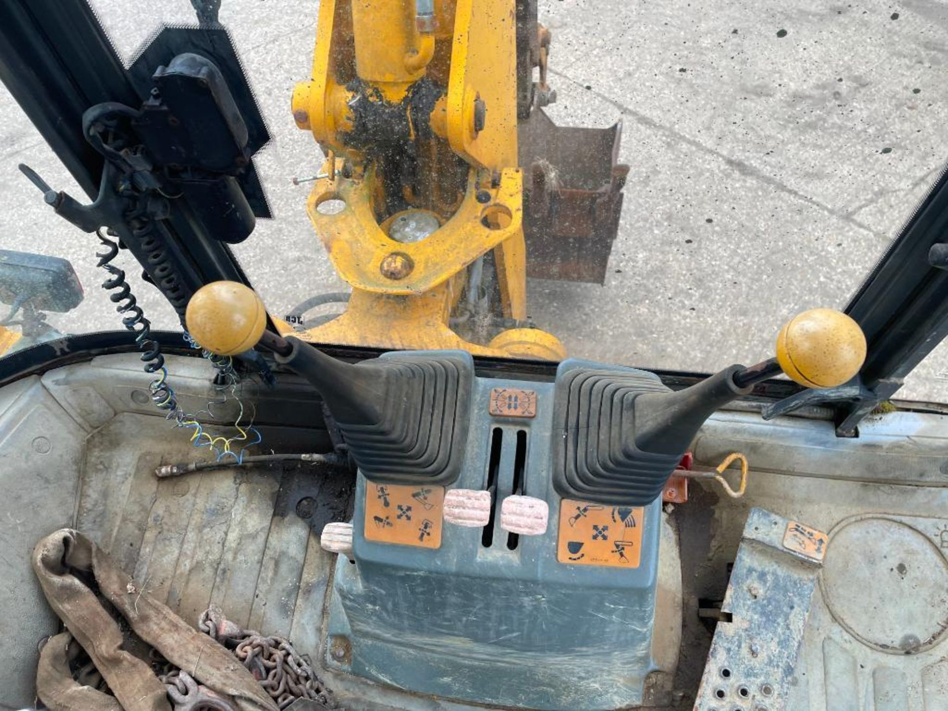 1993 JCB 3CX Sitemaster 4wd back hoe loader with 3 in 1 bucket on 10.5/80-18 front and 18.4-26 rear - Image 12 of 14