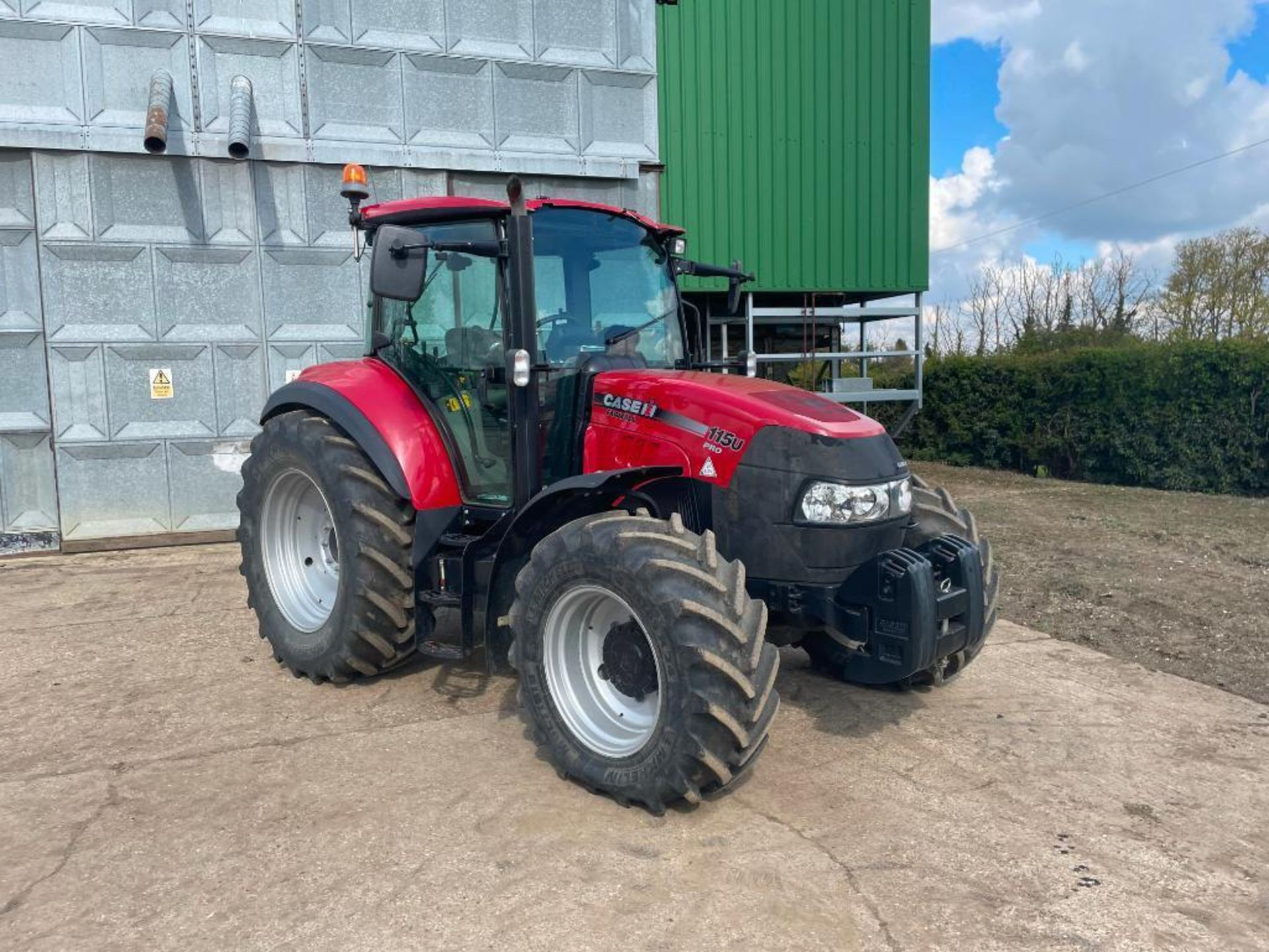 2014 Case IH Farmall 115U PRO 40Kph 4wd tractor with 2 spools, PUH on 440/65R24 front and 540/65R34 - Image 7 of 10