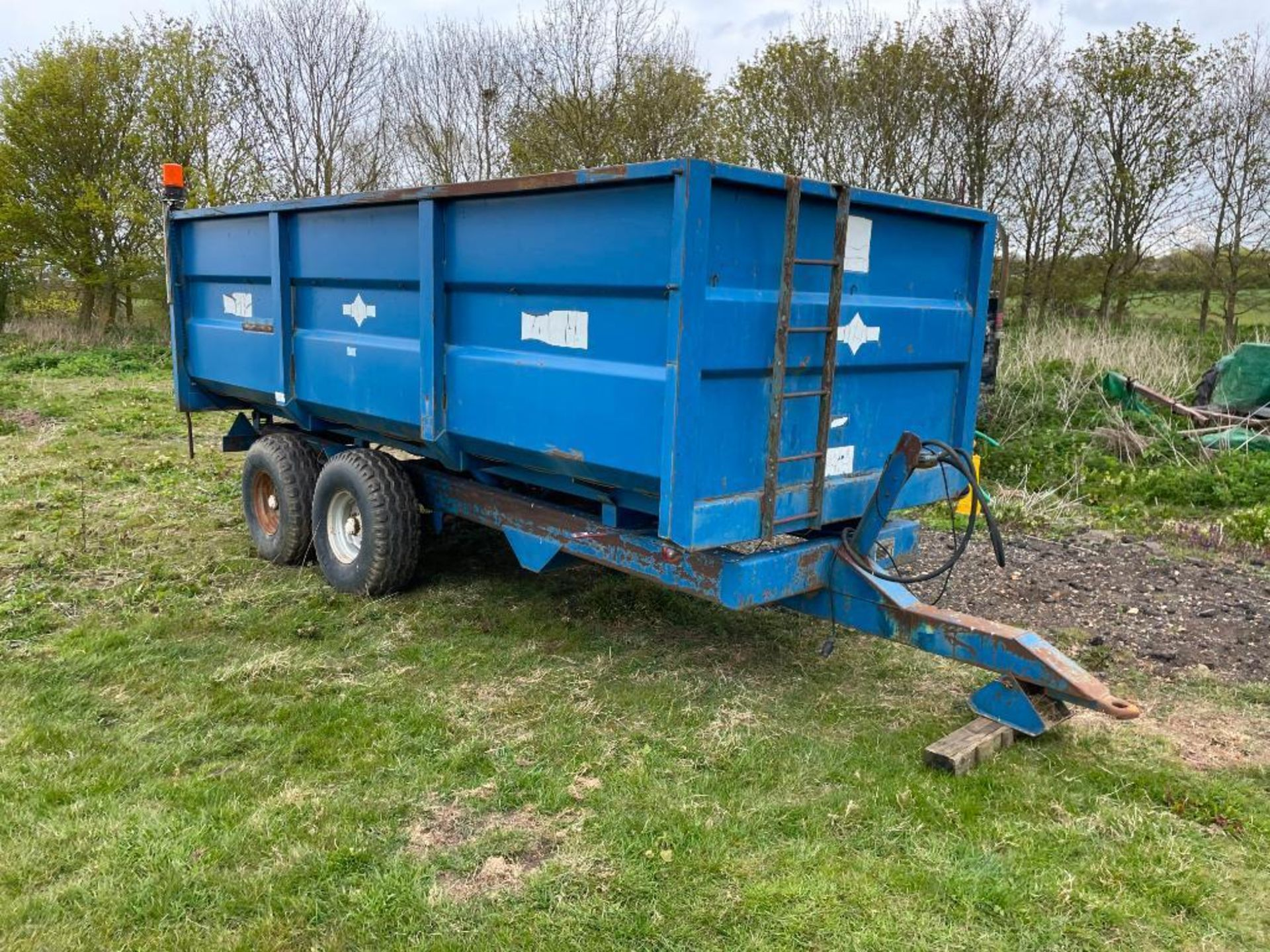 1984 AS Marston 10t twin axle grain trailer, manual tailgate and grain chute on 12./80-15.30 wheels - Image 2 of 10