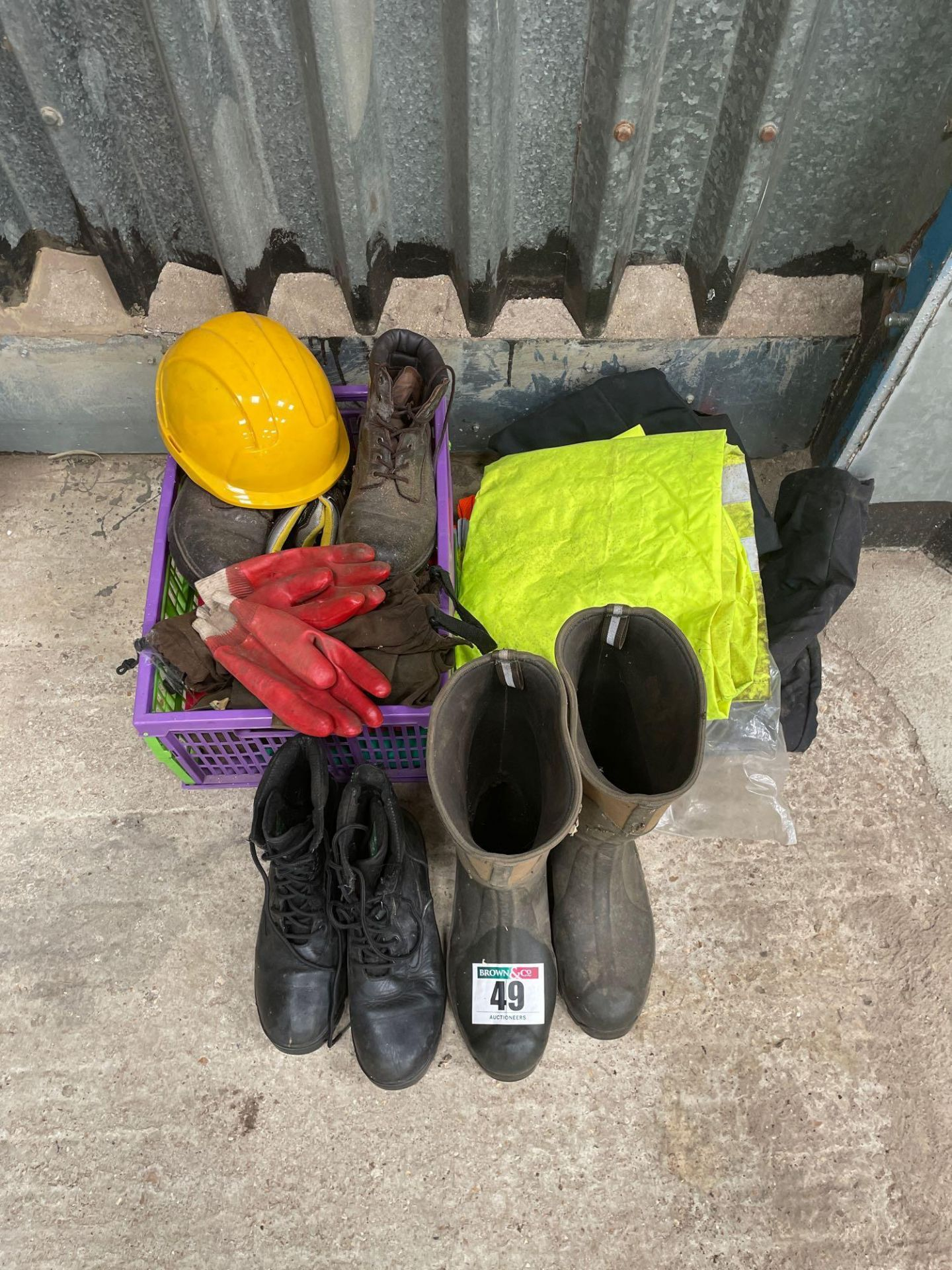 Quantity PPE clothing