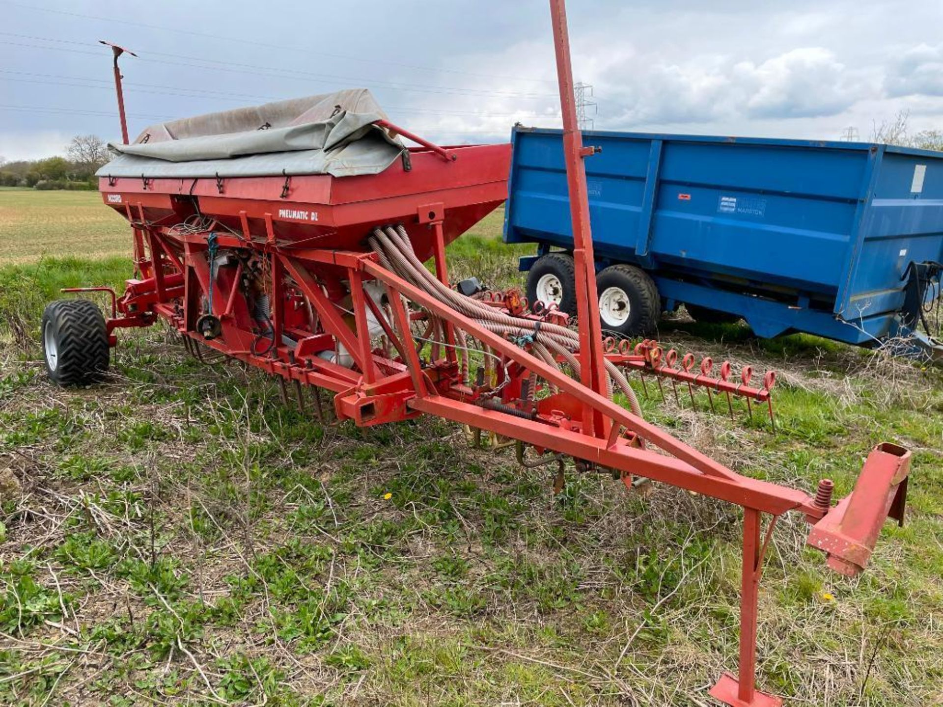 Kverneland Accord Pneumatic DL 6m drill with wheel track eradicators and end tow kit NB: Control box - Image 5 of 5