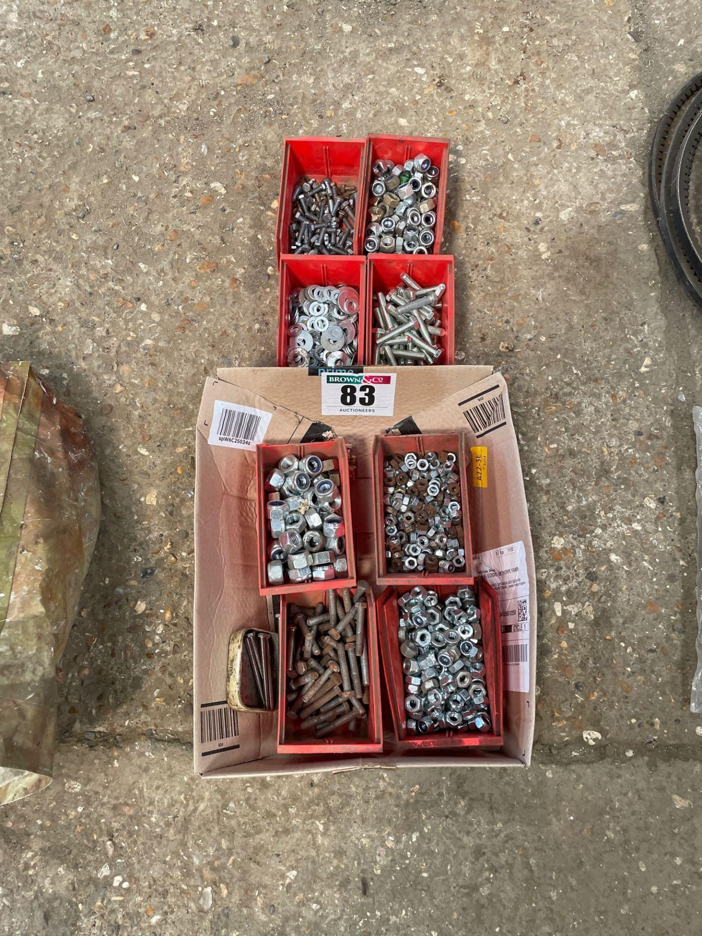 Quantity nuts, bolts and washers