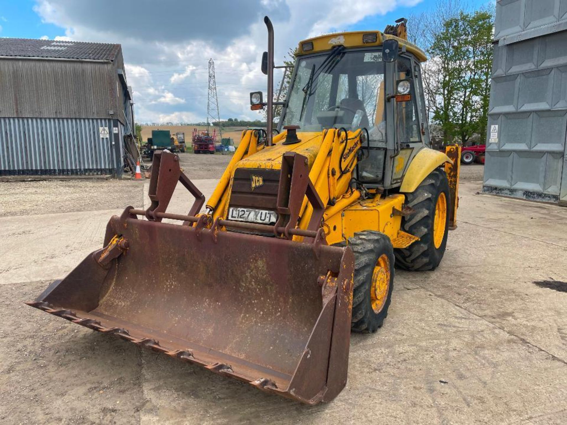 1993 JCB 3CX Sitemaster 4wd back hoe loader with 3 in 1 bucket on 10.5/80-18 front and 18.4-26 rear - Image 4 of 14