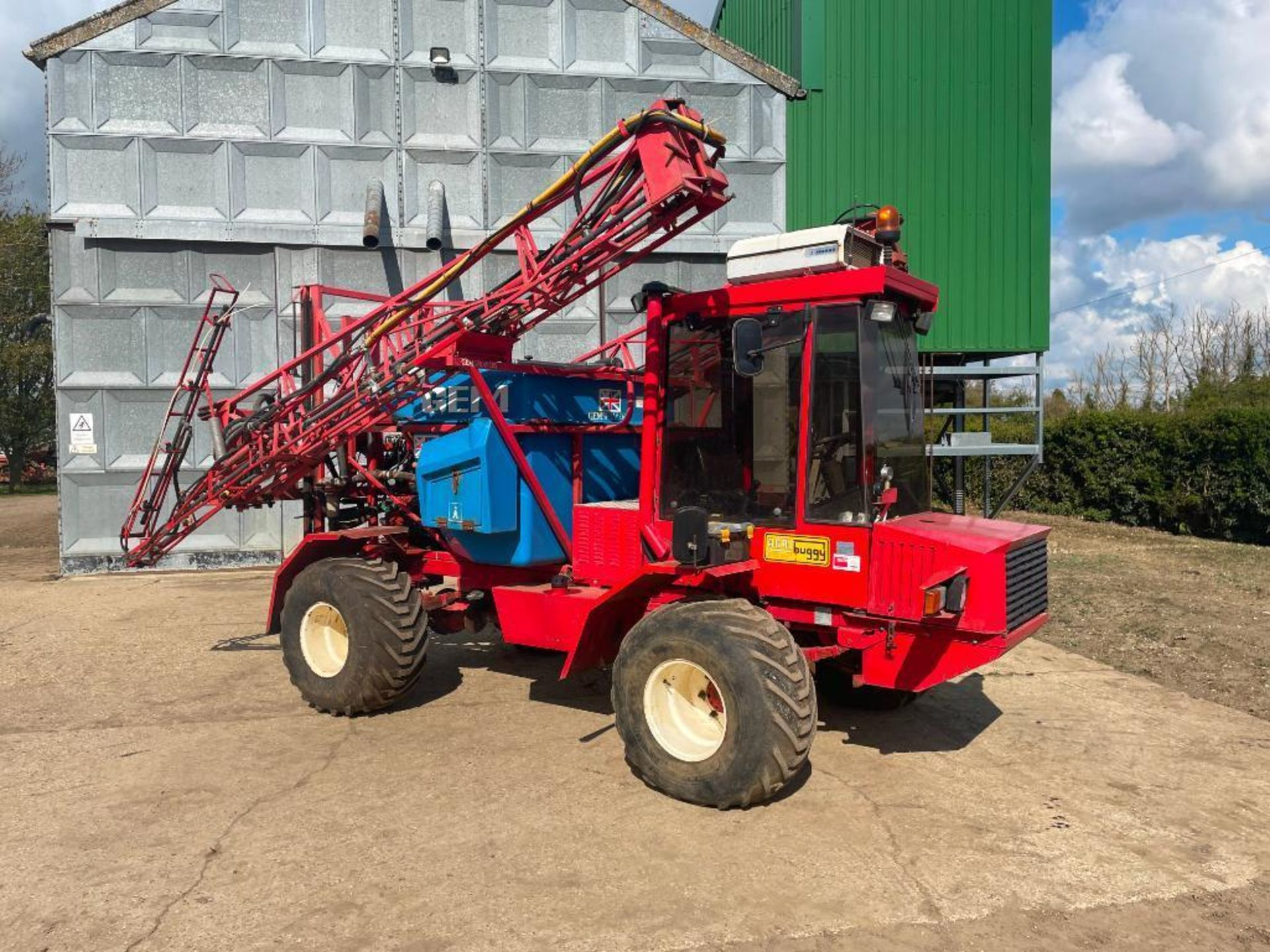 1995 Frazier Agri-Buggy SD with GEM 24m self propelled sprayer, 1500l tank on 38x20.00-16 wheels and - Image 23 of 27