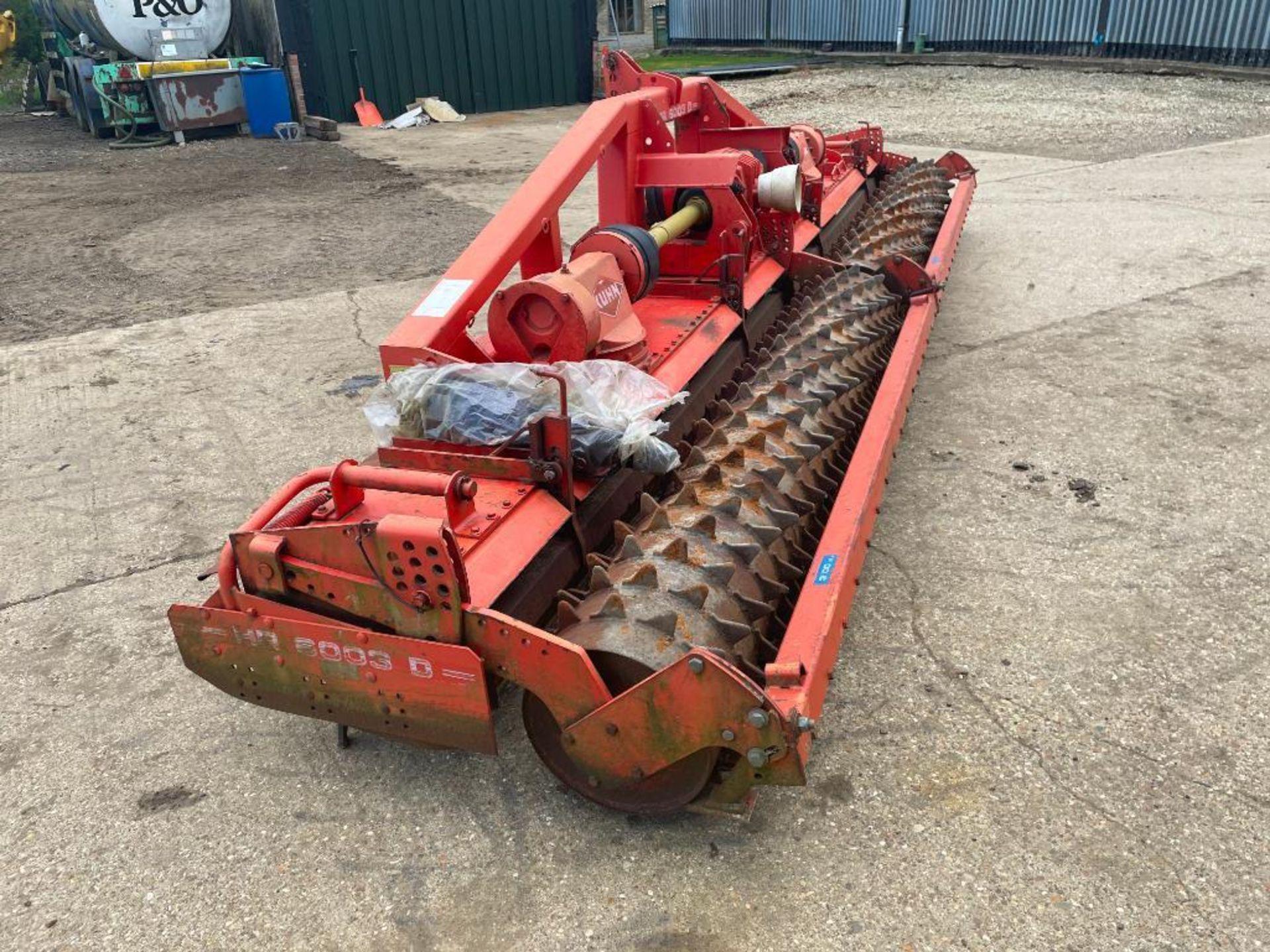 2000 Kuhn HR6003D 6m fixed power harrow and rear crumbler, PTO driven. Serial No: A0452 NB: Manual i - Image 12 of 19