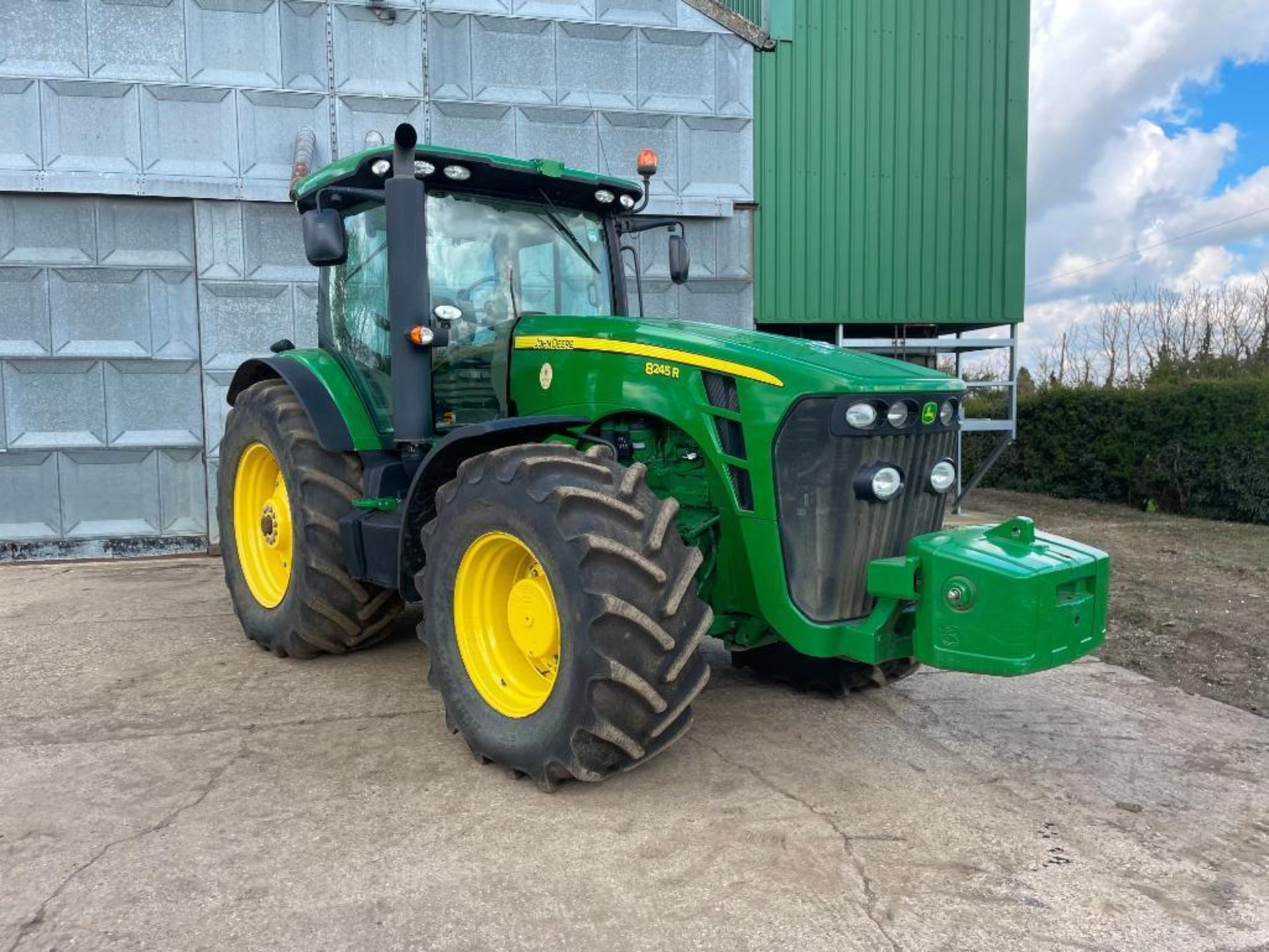 2011 John Deere 8245R 40kph Powershift with 4 electric spools, TLS front suspension and 900kg front - Image 14 of 18