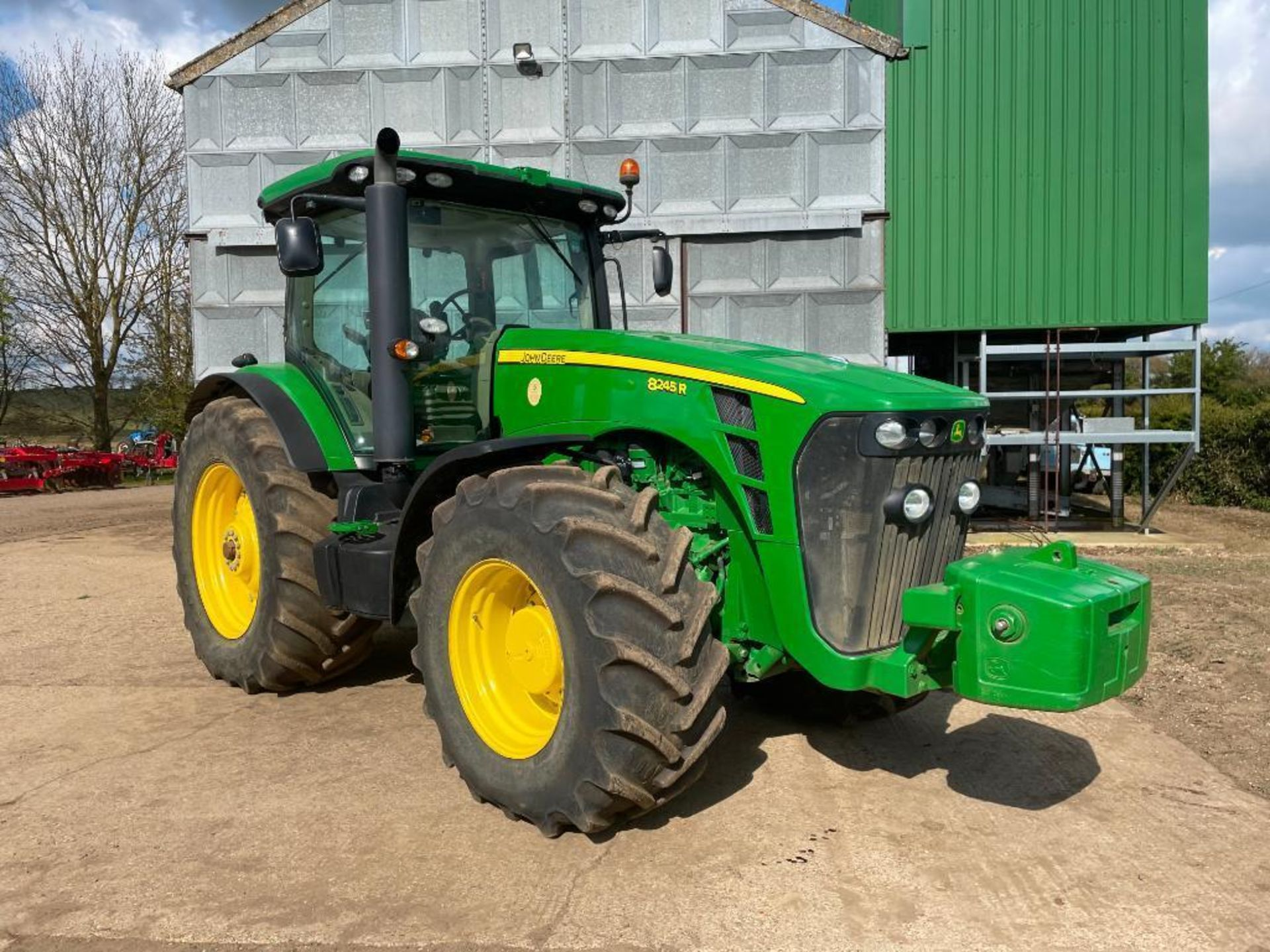 2011 John Deere 8245R 40kph Powershift with 4 electric spools, TLS front suspension and 900kg front - Image 3 of 18