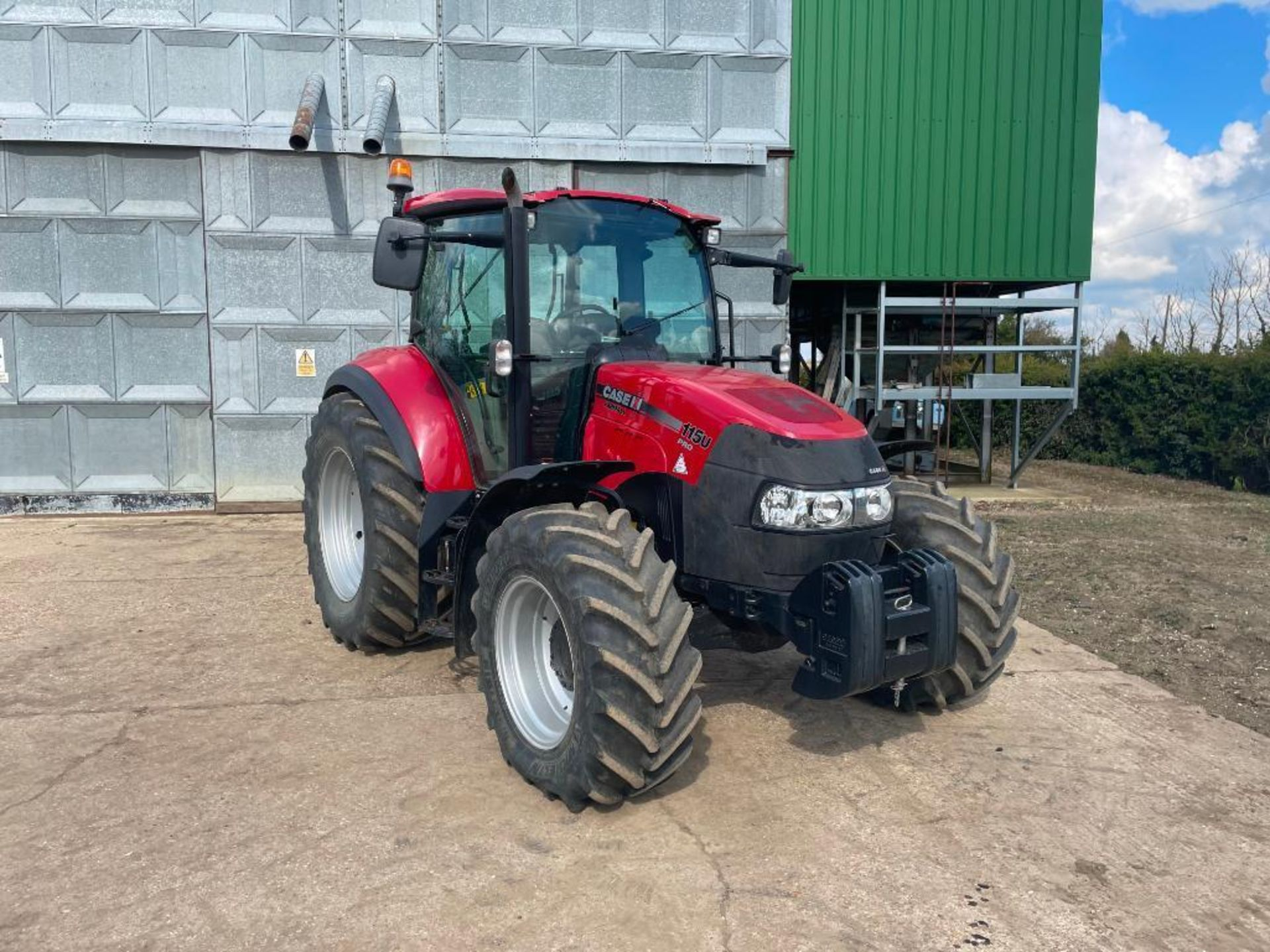 2014 Case IH Farmall 115U PRO 40Kph 4wd tractor with 2 spools, PUH on 440/65R24 front and 540/65R34 - Image 6 of 10