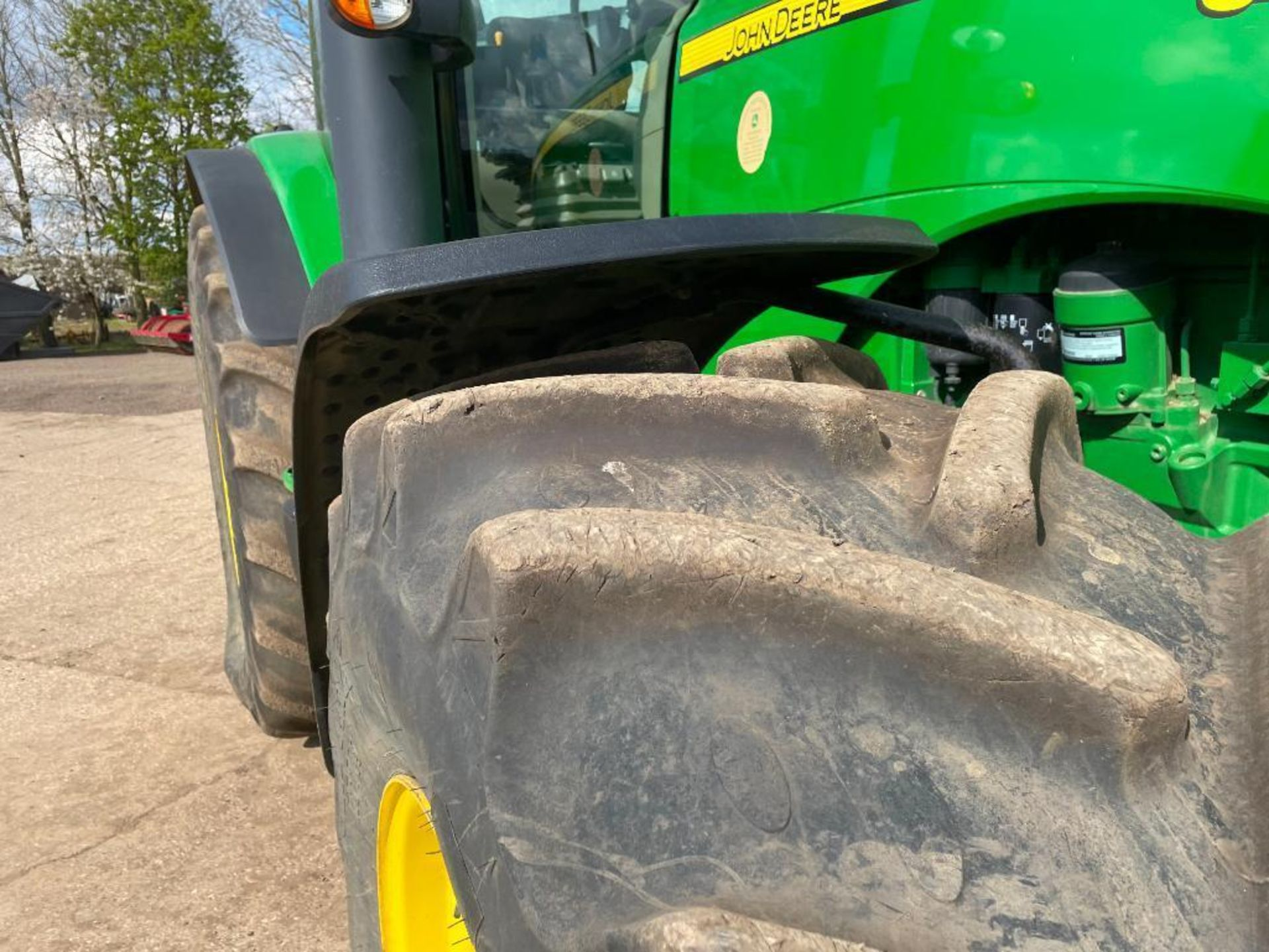 2011 John Deere 8245R 40kph Powershift with 4 electric spools, TLS front suspension and 900kg front - Image 4 of 18