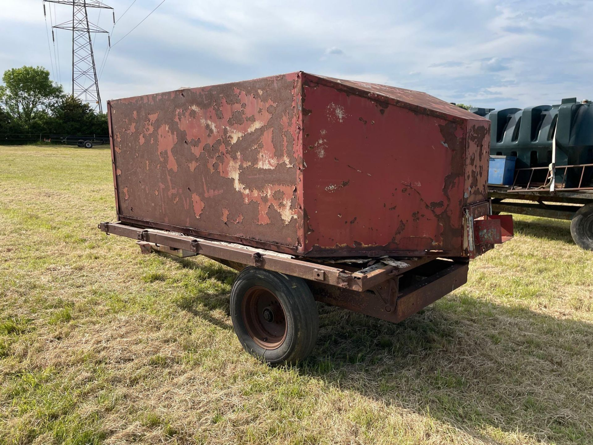 10ft single axle hydraulic tipping trailer, wooden floor with steel tank and grain chute - Image 3 of 6