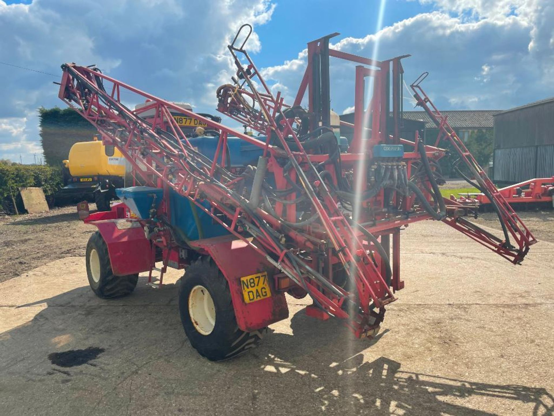 1995 Frazier Agri-Buggy SD with GEM 24m self propelled sprayer, 1500l tank on 38x20.00-16 wheels and - Image 21 of 27