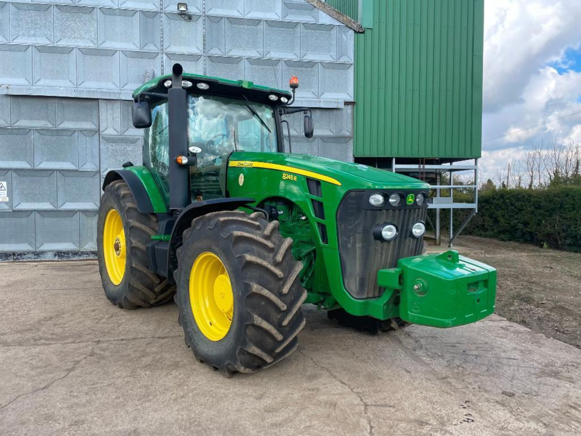 2011 John Deere 8245R 40kph Powershift with 4 electric spools, TLS front suspension and 900kg front - Image 13 of 18