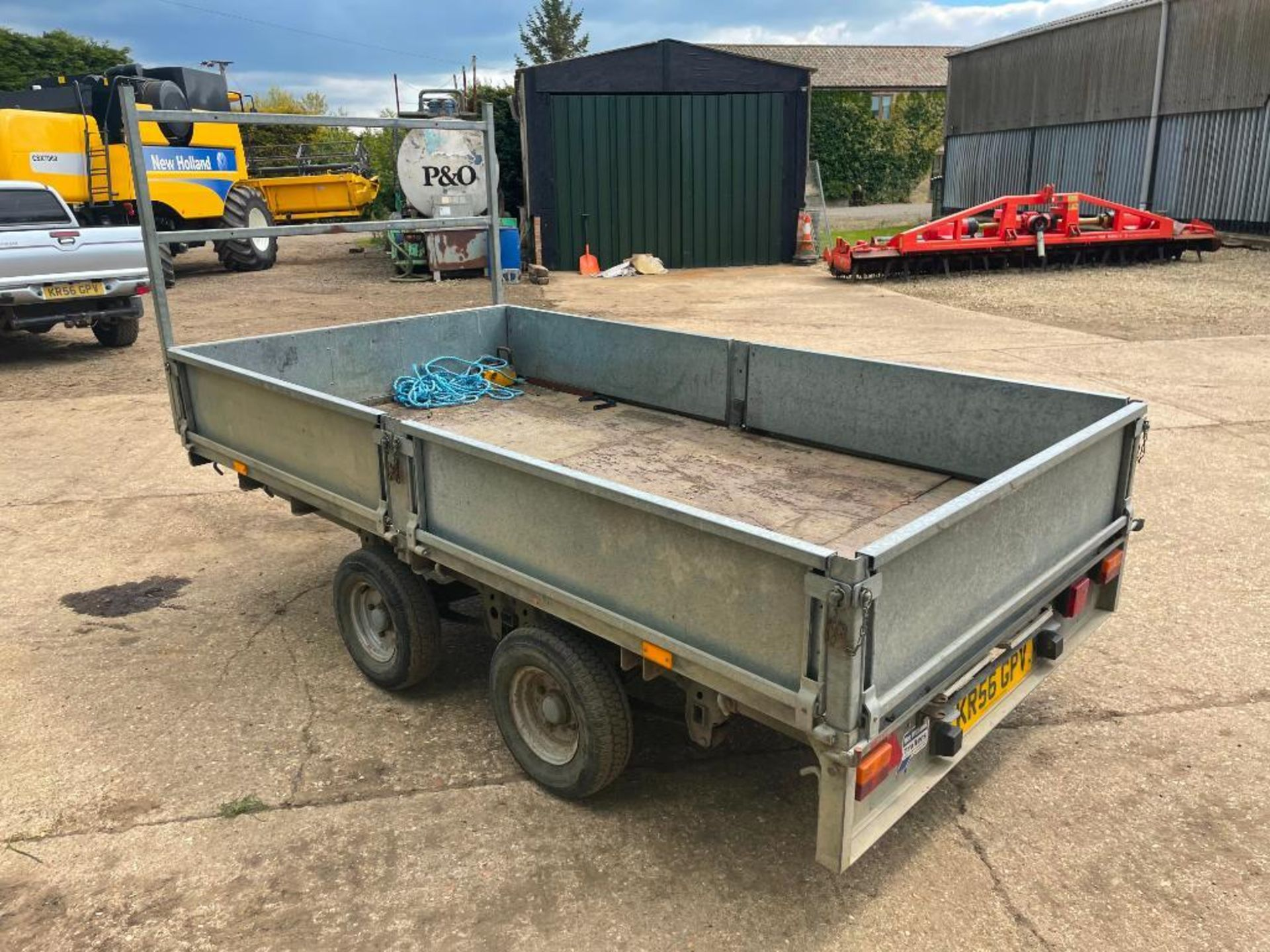 Ifor Williams LT105G 10ft twin axle flat bed trailer with front ladder and aluminium ramps on 145R10 - Image 9 of 12