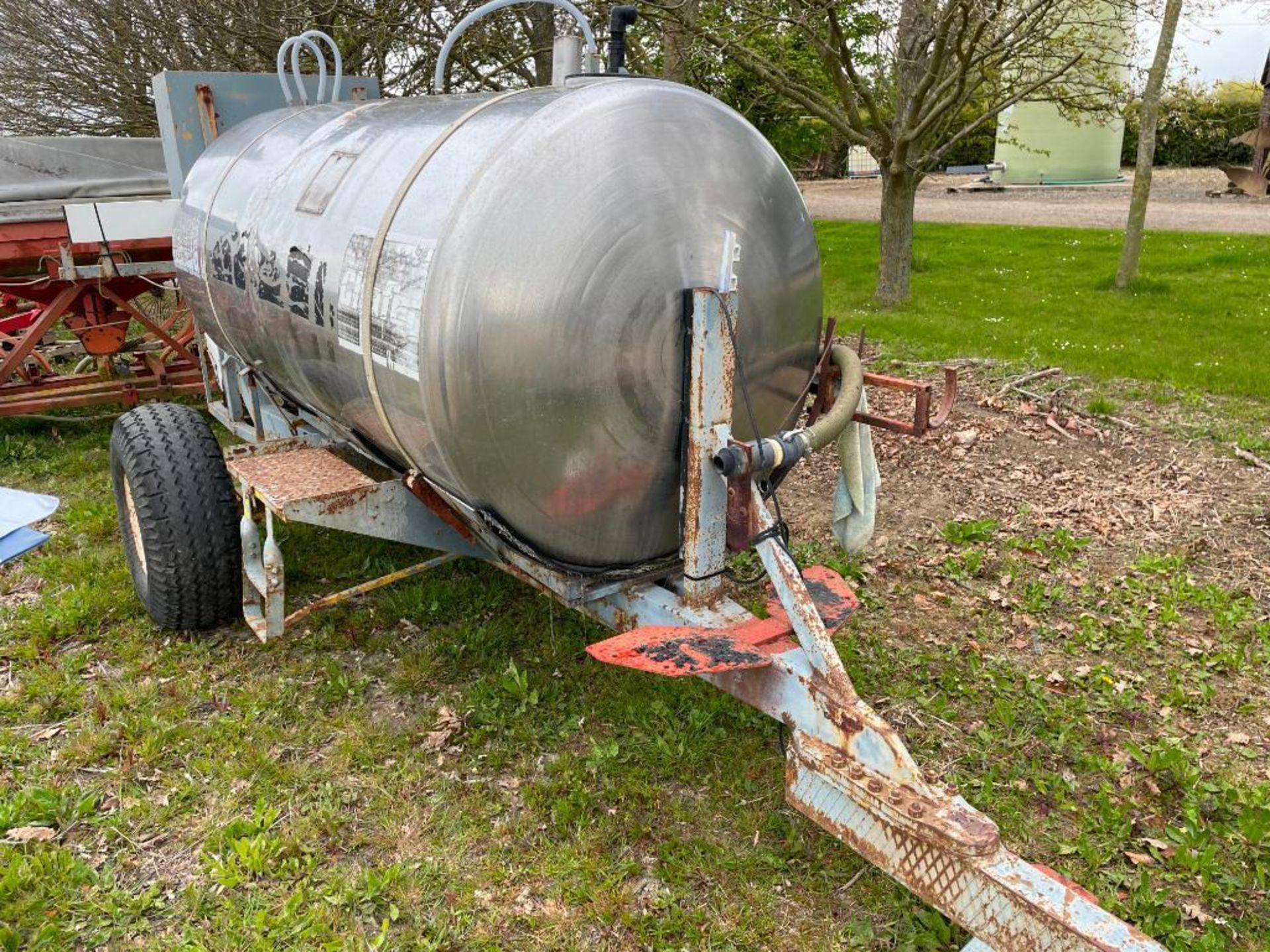 Chafer stainless steel tank, trailed single axle on 11.5/80-15.3 wheels and tyres with Honda pump - Image 4 of 4