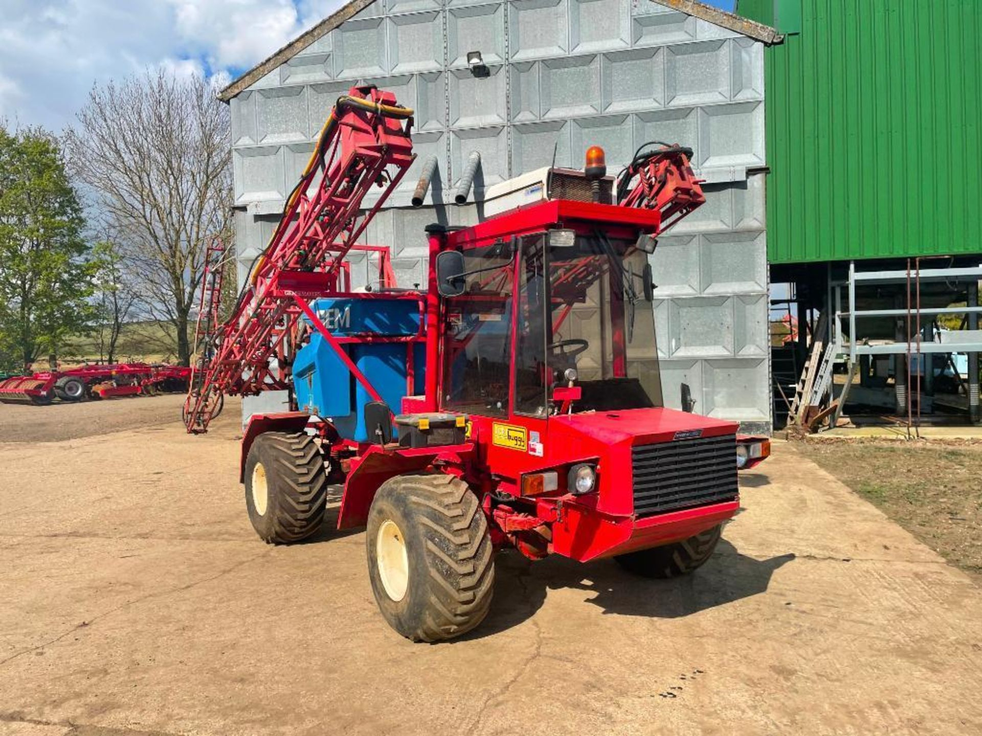 1995 Frazier Agri-Buggy SD with GEM 24m self propelled sprayer, 1500l tank on 38x20.00-16 wheels and - Image 8 of 27