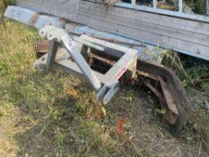 Moulton galvanised yard scraper