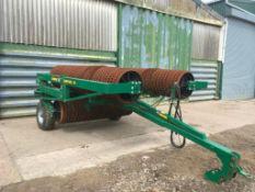 2018 Cousins Contour HZ 8.2m hydraulic folding Cambridge rolls c/w breaker rings. On farm from new.
