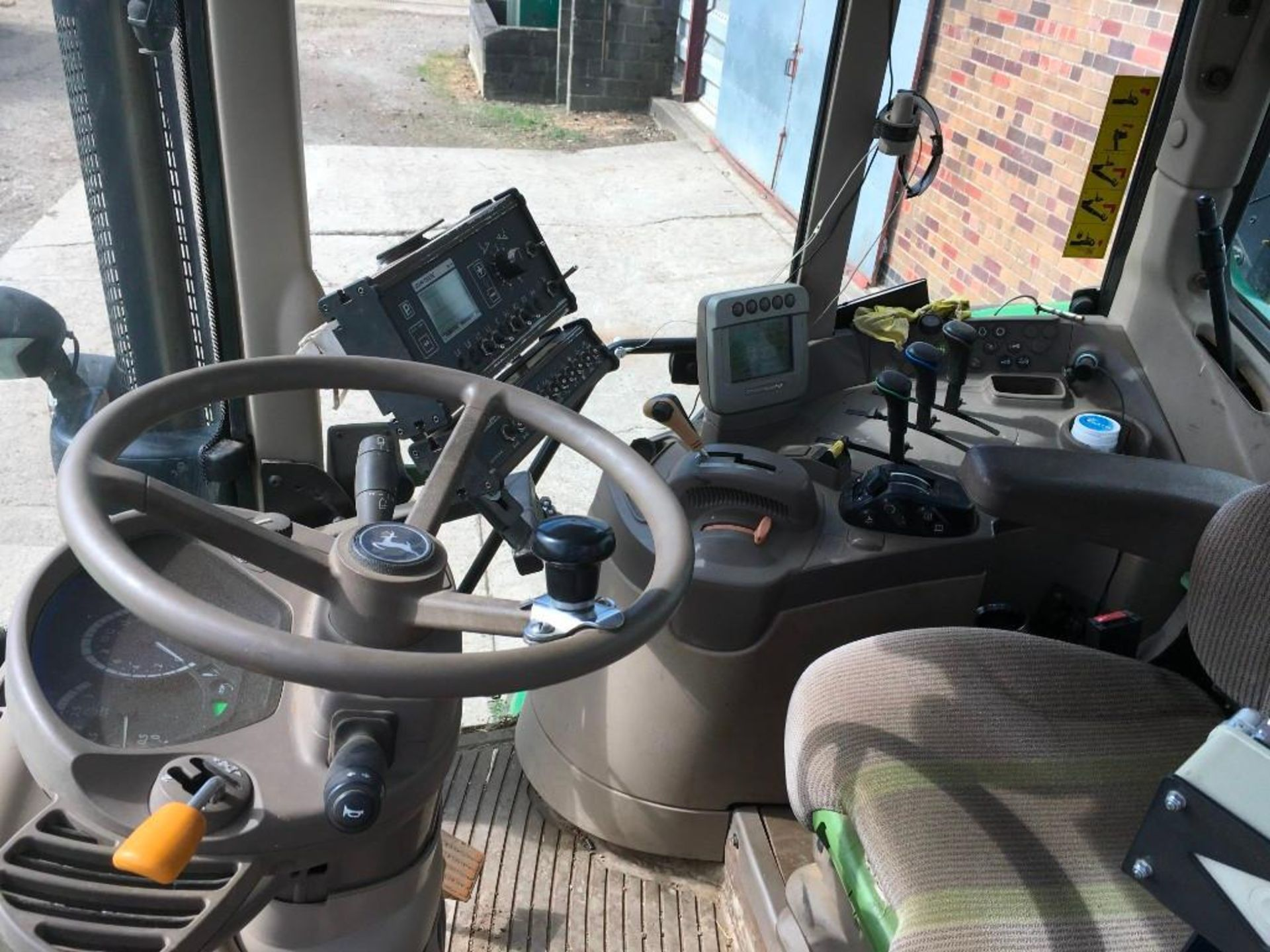 2008 John Deere 7530 tractor with auto quad gear box, 4 spool valves, pick up hitch, air seat, front - Image 13 of 14