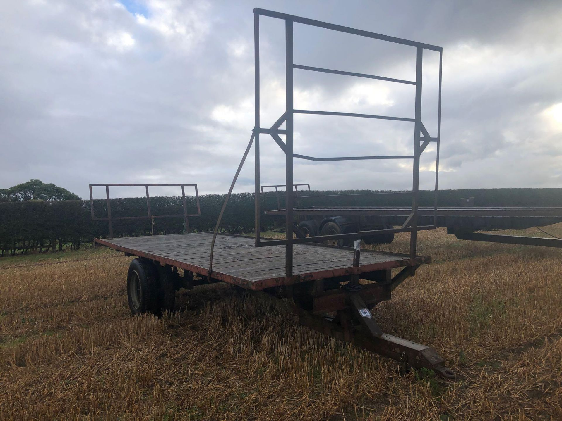Homemade single axle 20ft flatbed trailer. C/w front and rear raves - Image 2 of 4