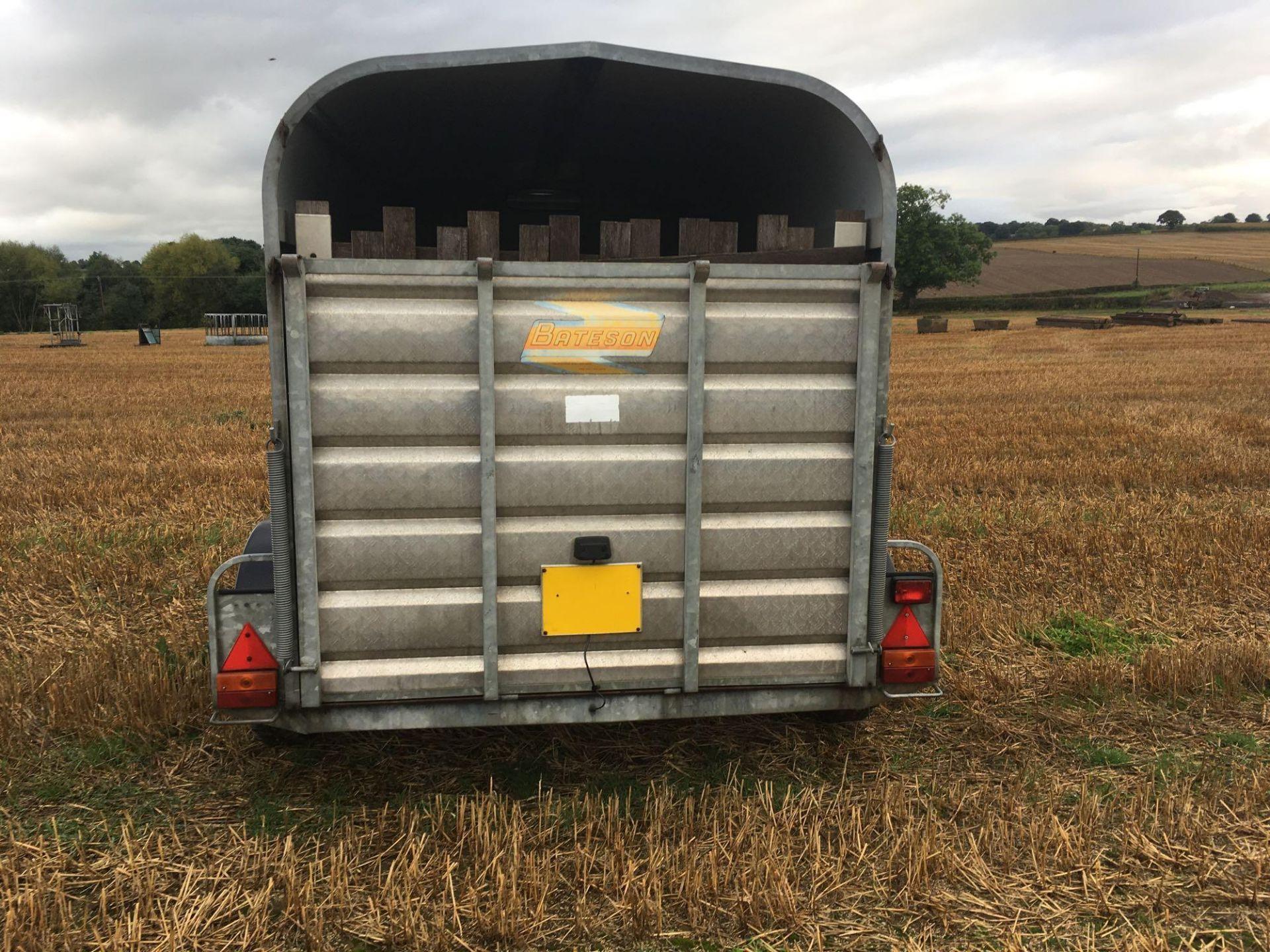 1996 Bateson Trailers 45LT twin axle livestock box, sprung rear door, side door, home made calf part - Image 6 of 14