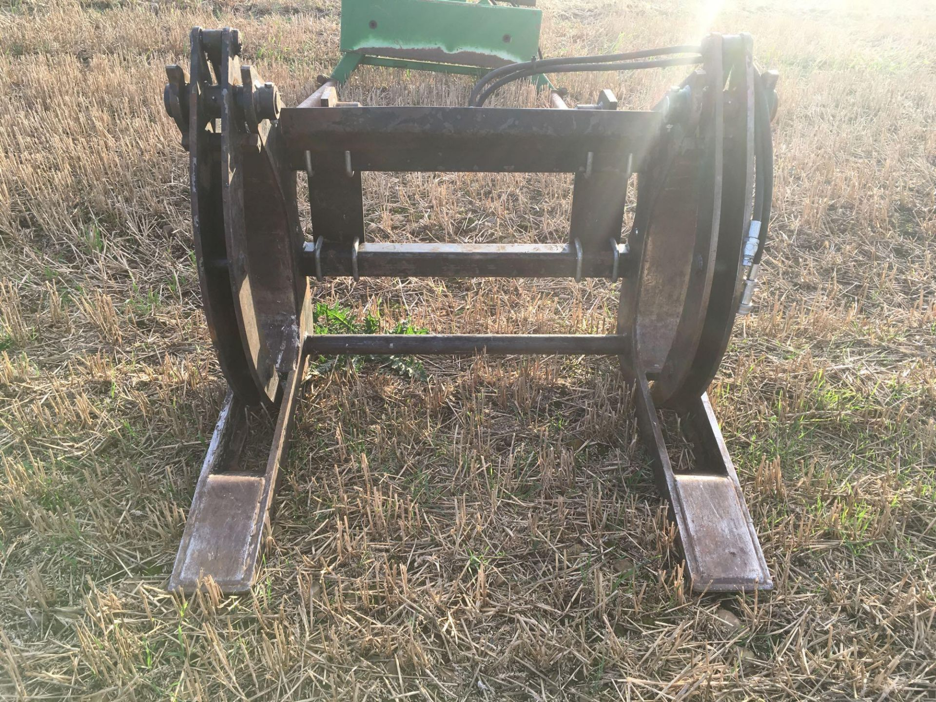 2013 Albutt log grab to fit Manitou. Serial No: 37282. - Image 2 of 2